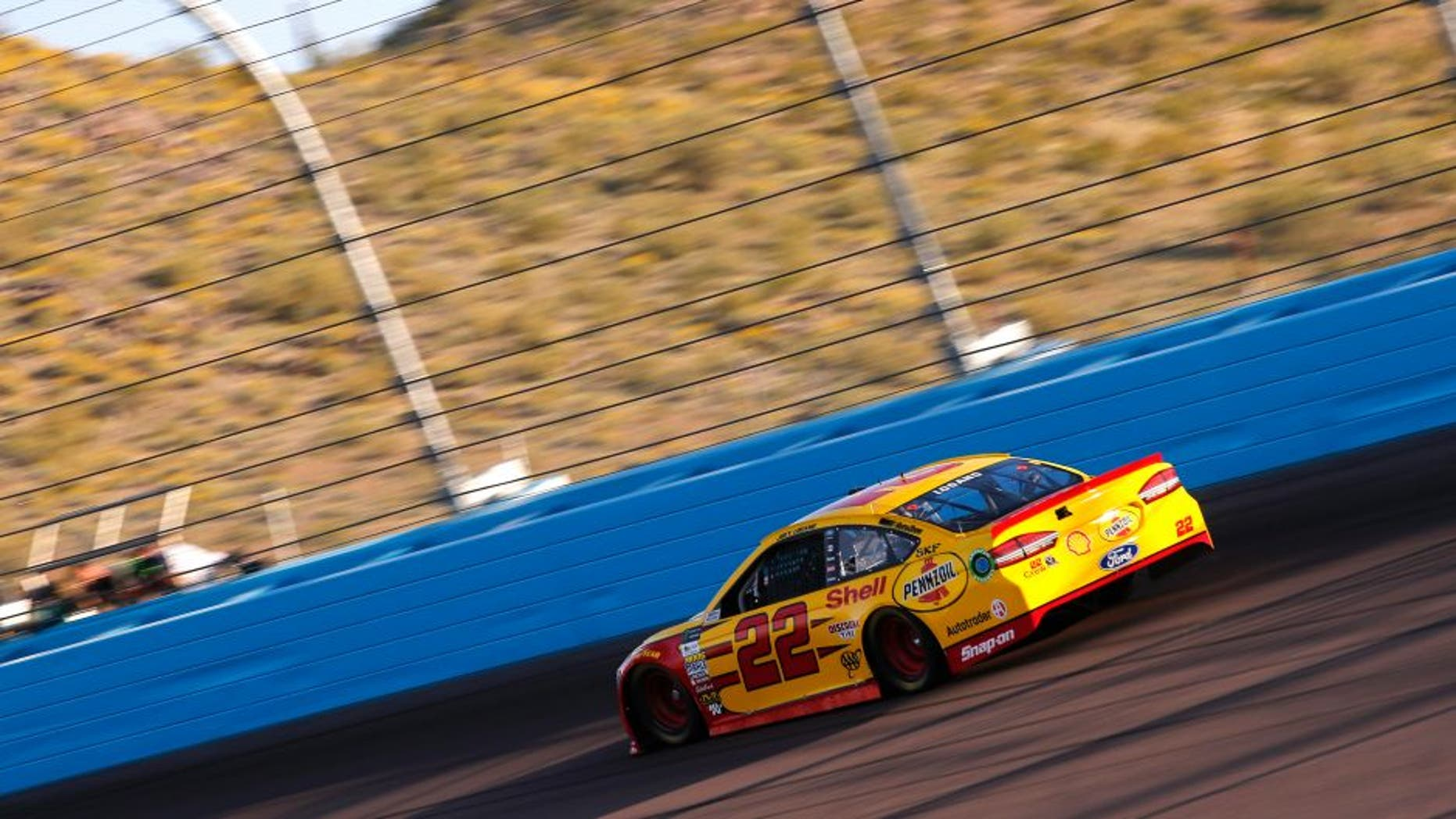 2017 Monster Energy NASCAR Cup Series Camping World 500 Phoenix International Raceway, Avondale, AZ USA Friday 17 March 2017 Joey Logano World Copyright: Matthew T. Thacker/LAT Images ref: Digital Image 17PHX1mt1292