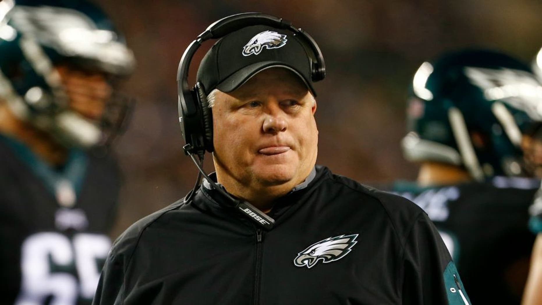 Head coach Chip Kelly of the Philadelphia Eagles during a game against the New York Giants at Lincoln Financial Field on October 19, 2015 (Photo by Rich Schultz /Getty Images)