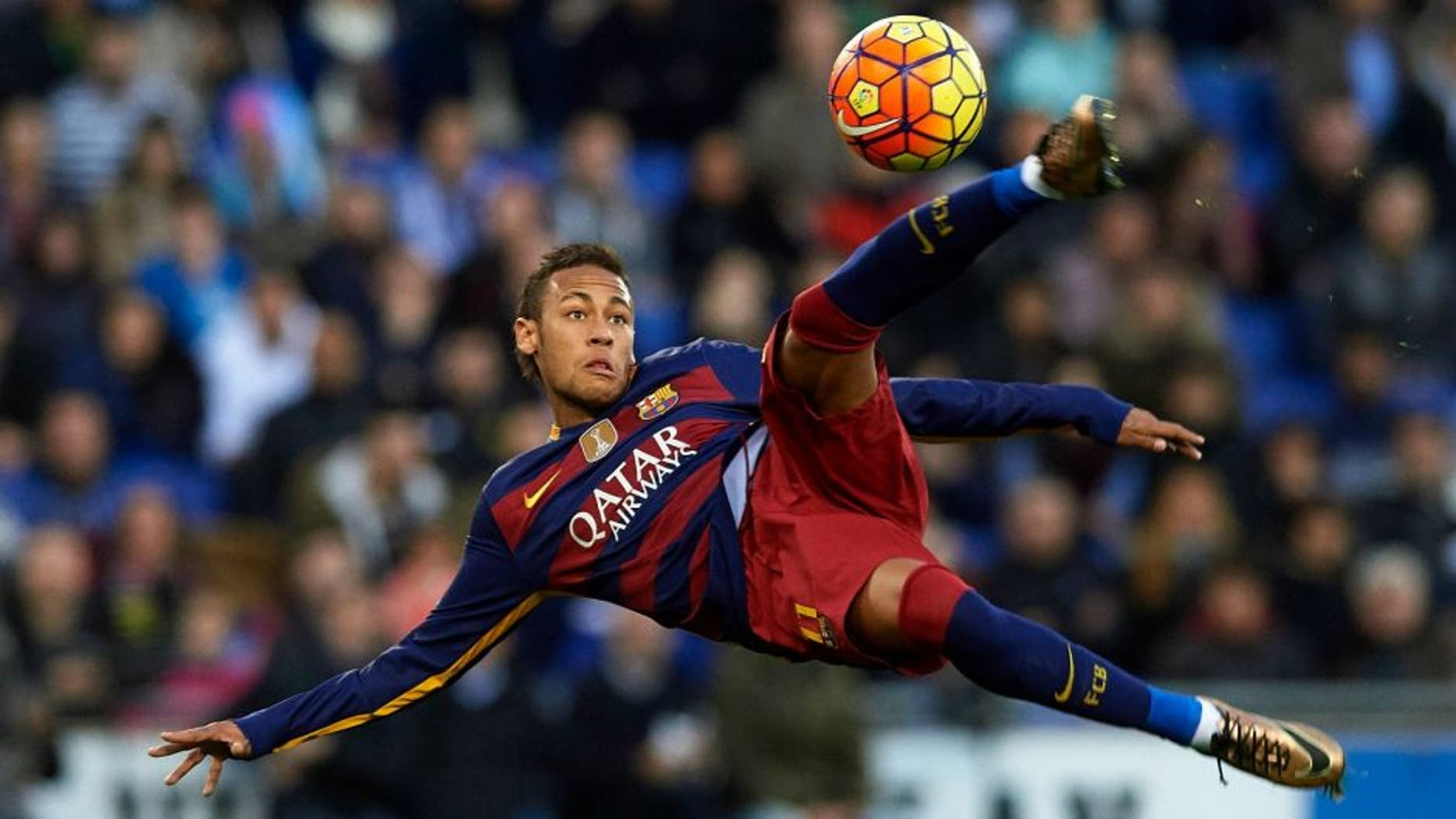 BARCELONA, SPAIN - JANUARY 02: Neymar JR of Barcelona in action during the La Liga match between Real CD Espanyol and FC Barcelona at Cornella-El Prat Stadium on January 2, 2016 in Barcelona, Spain. (Photo by Manuel Queimadelos Alonso/Getty Images)