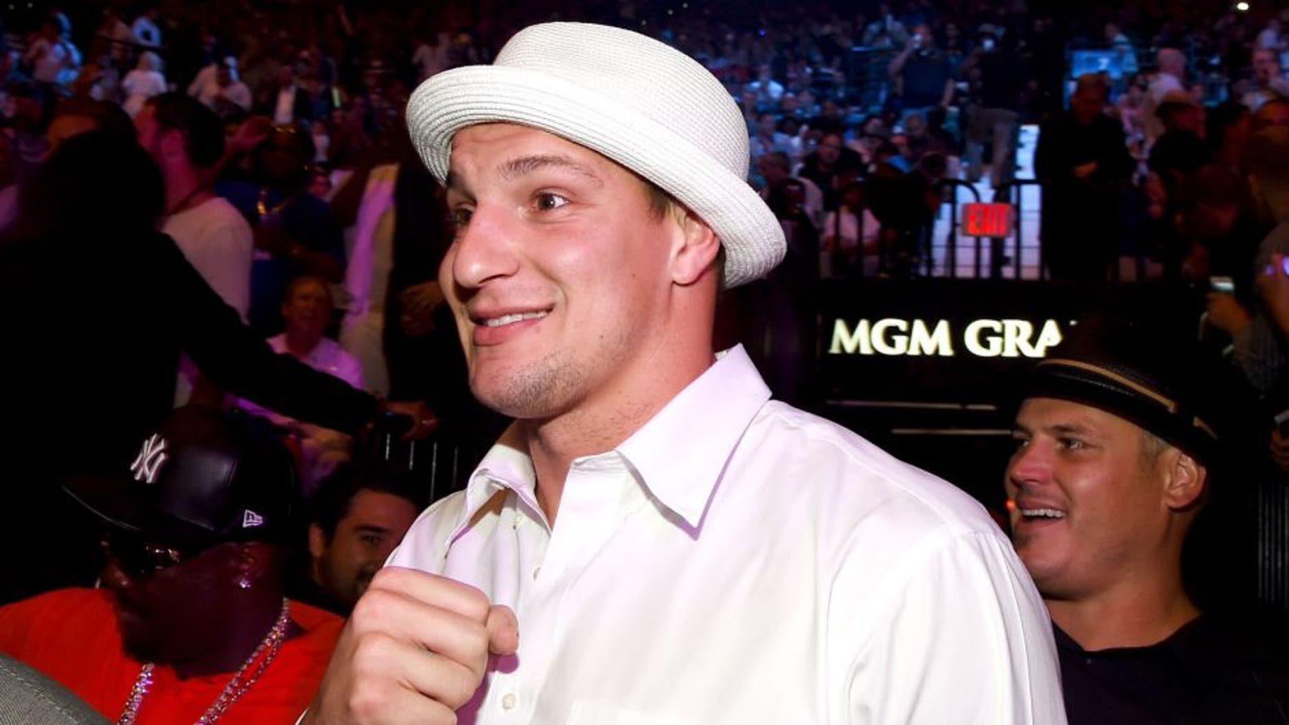 """LAS VEGAS, NV - MAY 02: NFL player Rob Gronkowski poses ringside At """"Mayweather VS Pacquiao"""" presented by SHOWTIME PPV And HBO PPV at MGM Grand Garden Arena on May 2, 2015 in Las Vegas, Nevada. (Photo by Ethan Miller/Getty Images for SHOWTIME)"""