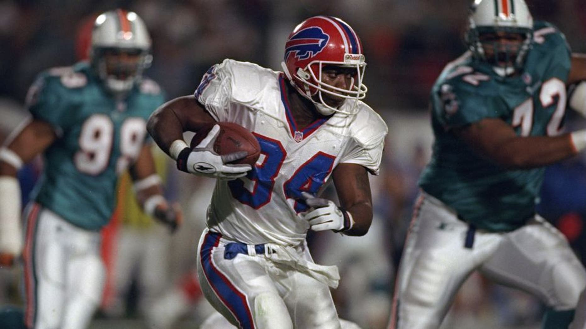 17 Nov 1997: Thurman Thomas #34 of the Buffalo Bills in action during a Monday night football game against the Miami Dolphins at Pro Player Stadium in Miami, Florida. The Dolphins defeated the Bills 30-13. Mandatory Credit: Andy Lyons /Allsport