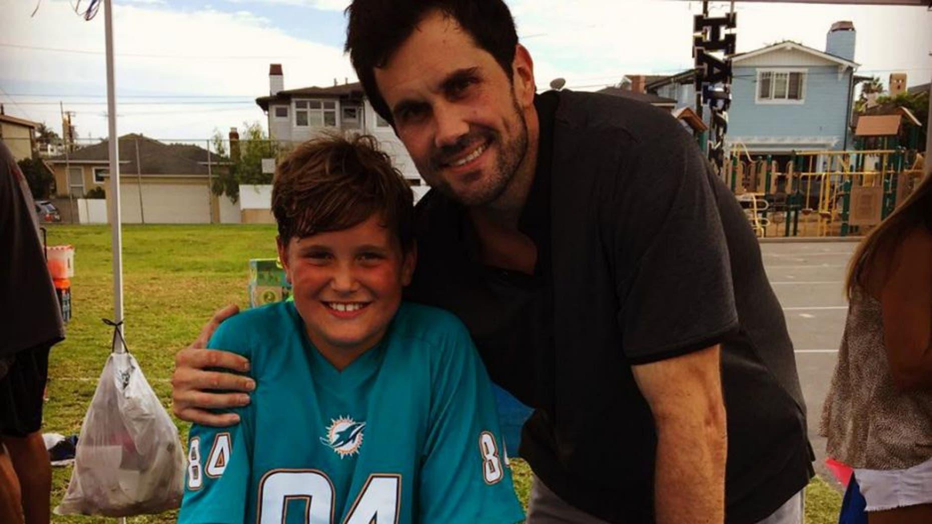 Matt Leinart showed off his son Cole's football talents in an impressive video.