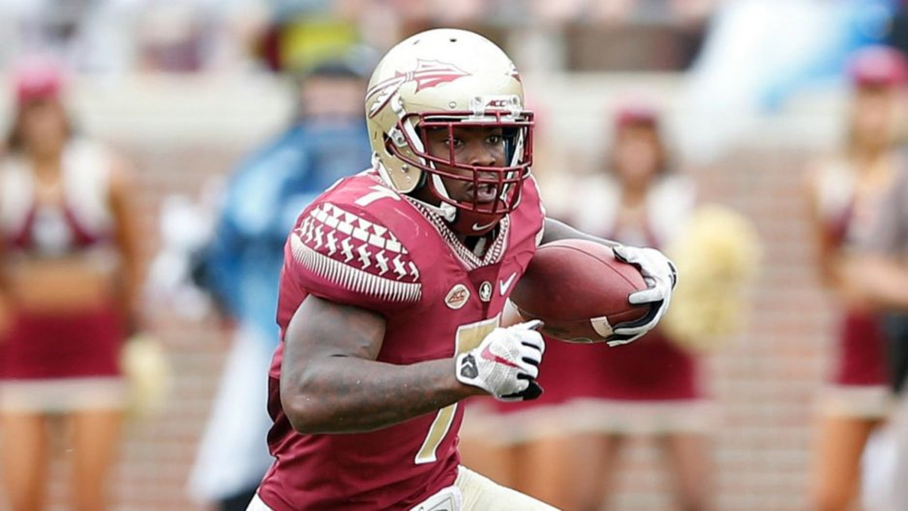 TALLAHASSEE, FL - SEPTEMBER 12: Mario Pender #7 of the Florida State Seminoles runs the ball against the South Florida Bulls during the game at Doak Campbell Stadium on September 12, 2015 in Tallahassee, Florida. Florida State defeated South Florida 34-14. (Photo by Joe Robbins/Getty Images)