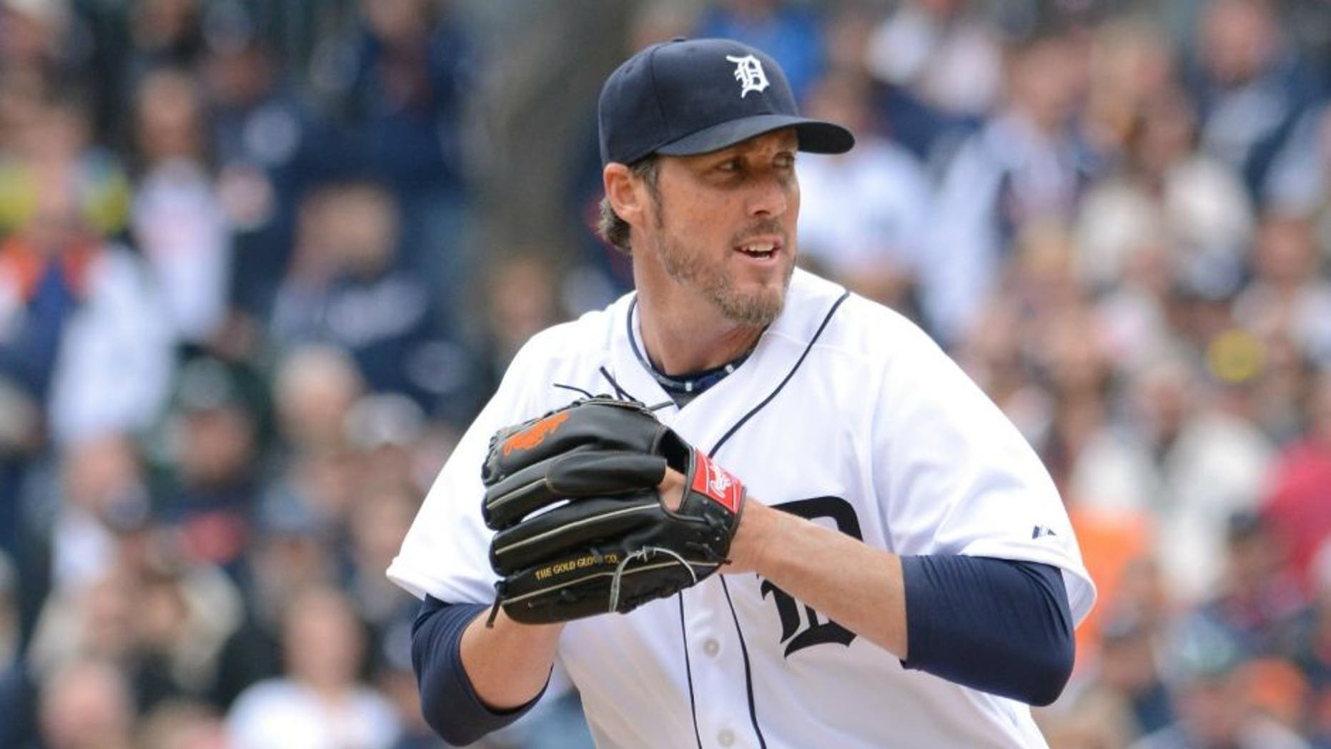 DETROIT, MI - APRIL 06: Joe Nathan #36 of the Detroit Tigers pitches during the Opening Day game against the Minnesota Twins at Comerica Park on April 6, 2015 in Detroit, Michigan. The Tigers defeated the Twins 4-0. (Photo by Mark Cunningham/MLB Photos via Getty Images)