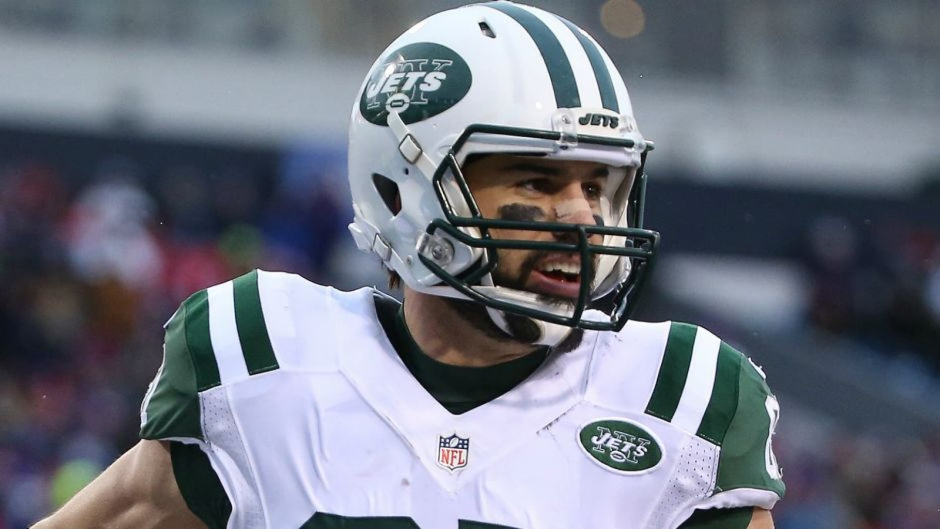ORCHARD PARK, NY - JANUARY 3: Eric Decker #87 of the New York Jets celebrates after scoring a touchdown against the Buffalo Bills during NFL game action at Ralph Wilson Stadium on January 3, 2016 in Orchard Park, New York. (Photo by Tom Szczerbowski/Getty Images) *** Local Caption *** Eric Decker,ORCHARD PARK, NY - JANUARY 3: Eric Decker #87 of the New York Jets celebrates after scoring a touchdown against the Buffalo Bills during NFL game action at Ralph Wilson Stadium on January 3, 2016 in Orchard Park, New York. (Photo by Tom Szczerbowski/Getty Images)