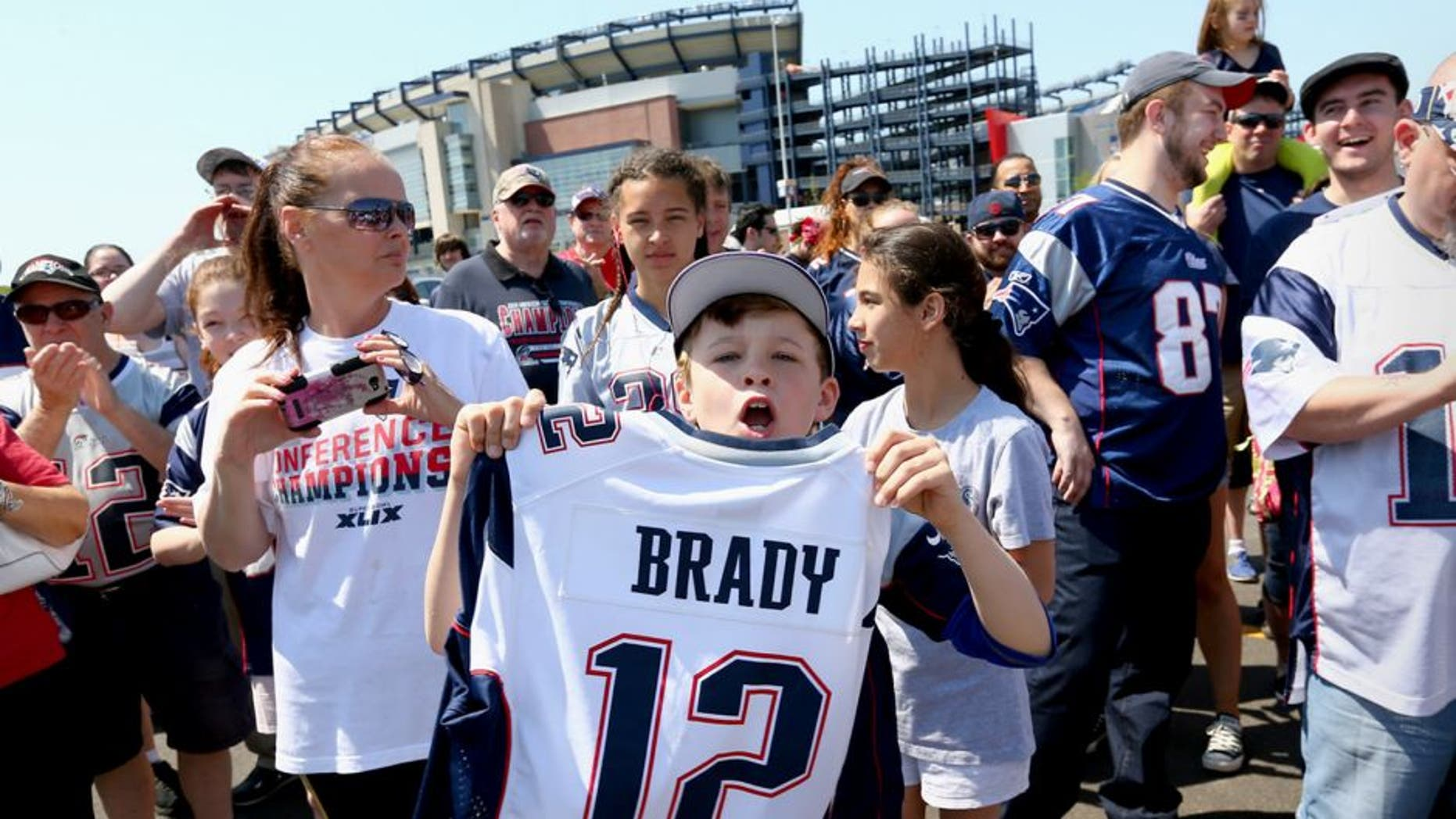 new style 26fe0 c80aa Tom Brady game-used jersey is soaring on the auction market ...