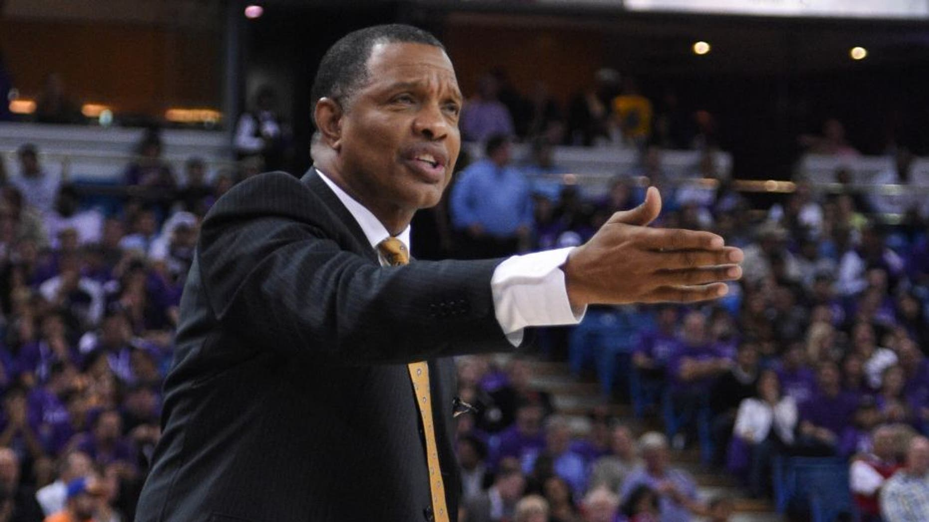 October 29, 2014; Sacramento, CA, USA; Golden State Warriors associate head coach Alvin Gentry reacts during the third quarter against the Sacramento Kings at Sleep Train Arena. The Warriors defeated the Kings 95-77. Mandatory Credit: Kyle Terada-USA TODAY Sports