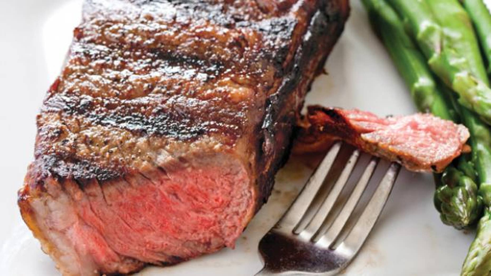 Meat in the diet of pregnant women increases the risk of developing diabetes
