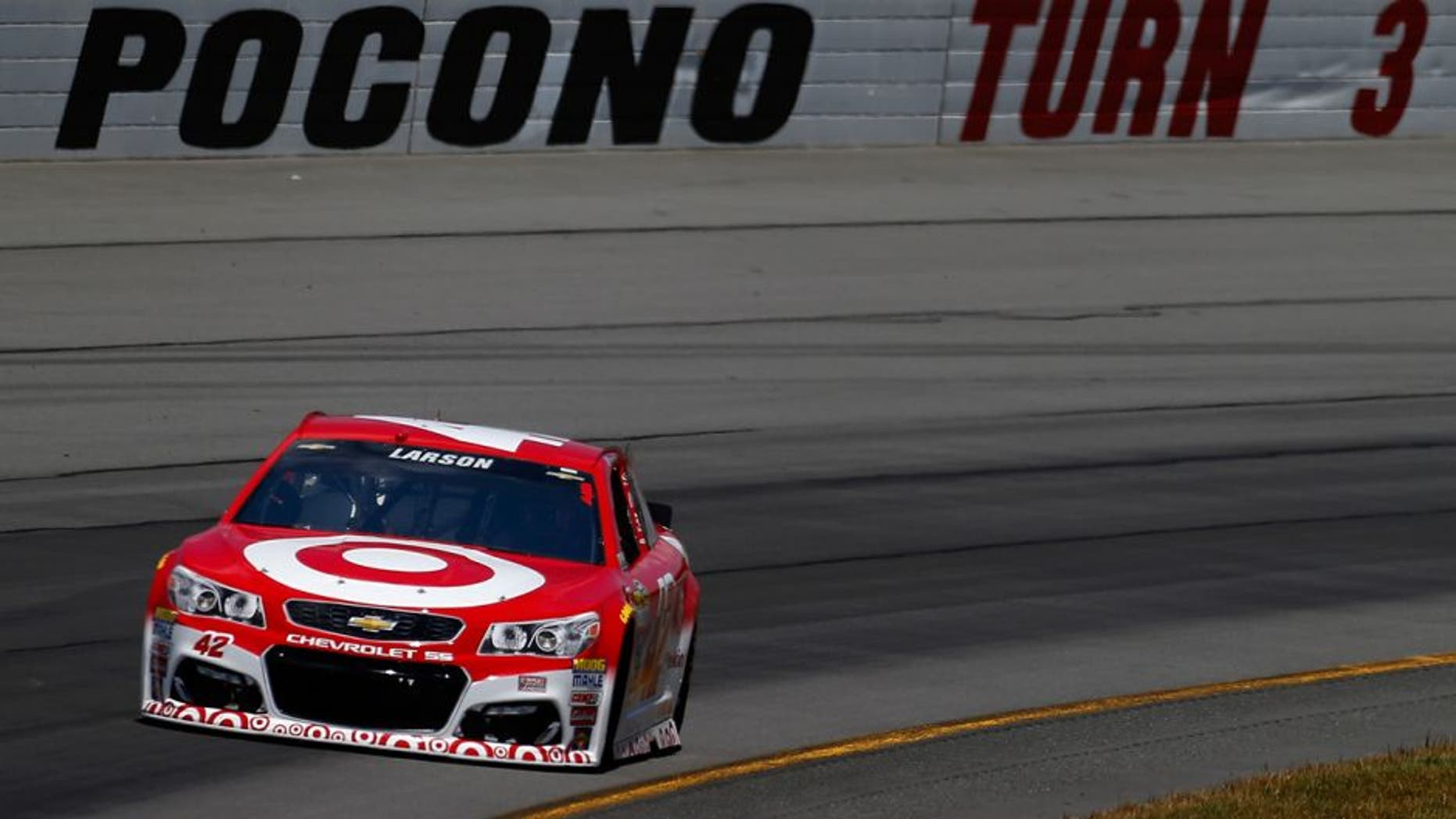 """LONG POND, PA - JUNE 06: Kyle Larson drives the #42 Target Chevrolet during the NASCAR Sprint Cup Series Axalta """"We Paint Winners"""" 400 at Pocono Raceway on June 6, 2016 in Long Pond, Pennsylvania. (Photo by Jonathan Ferrey/NASCAR via Getty Images)"""