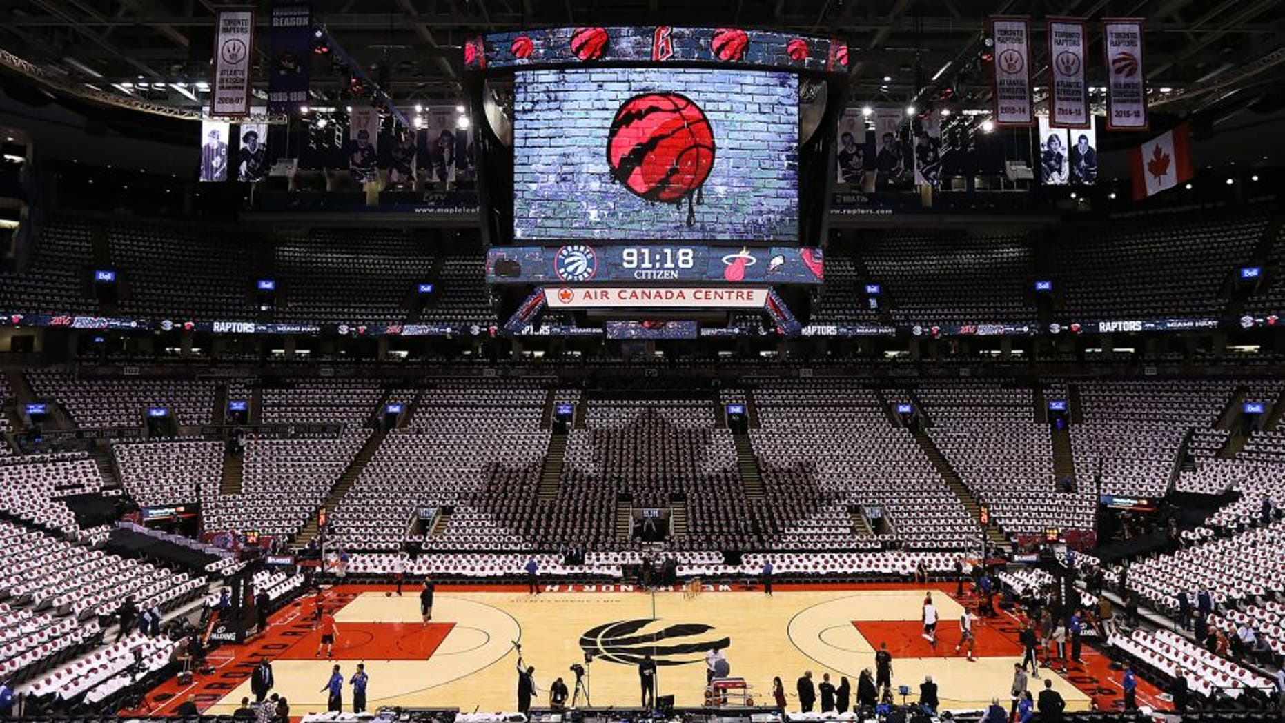 TORONTO,ON - MAY 15 2016: A general view of the court prior to the Miami Heat facing the Toronto Raptors in game 7 of the NBA Eastern Conference Semi Finals at Air Canada Centre on May 15, 2016 in Toronto, Ontario, Canada. NOTE TO USER: User expressly acknowledges and agrees that, by downloading and/or using this photograph, user is consenting to the terms and conditions of the Getty Images License Agreement. Mandatory Copyright Notice: Copyright 2016 NBAE (Photo by Dave Sandford/NBAE via Getty Images)