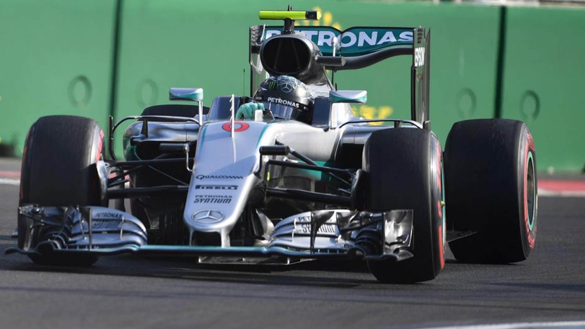 Mercedes AMG Petronas F1 Team's German driver Nico Rosberg steers his car at the Baku City Circuit, on June 19, 2016 in Baku, during the European Formula One Grand Prix. / AFP / ANDREJ ISAKOVIC (Photo credit should read ANDREJ ISAKOVIC/AFP/Getty Images)