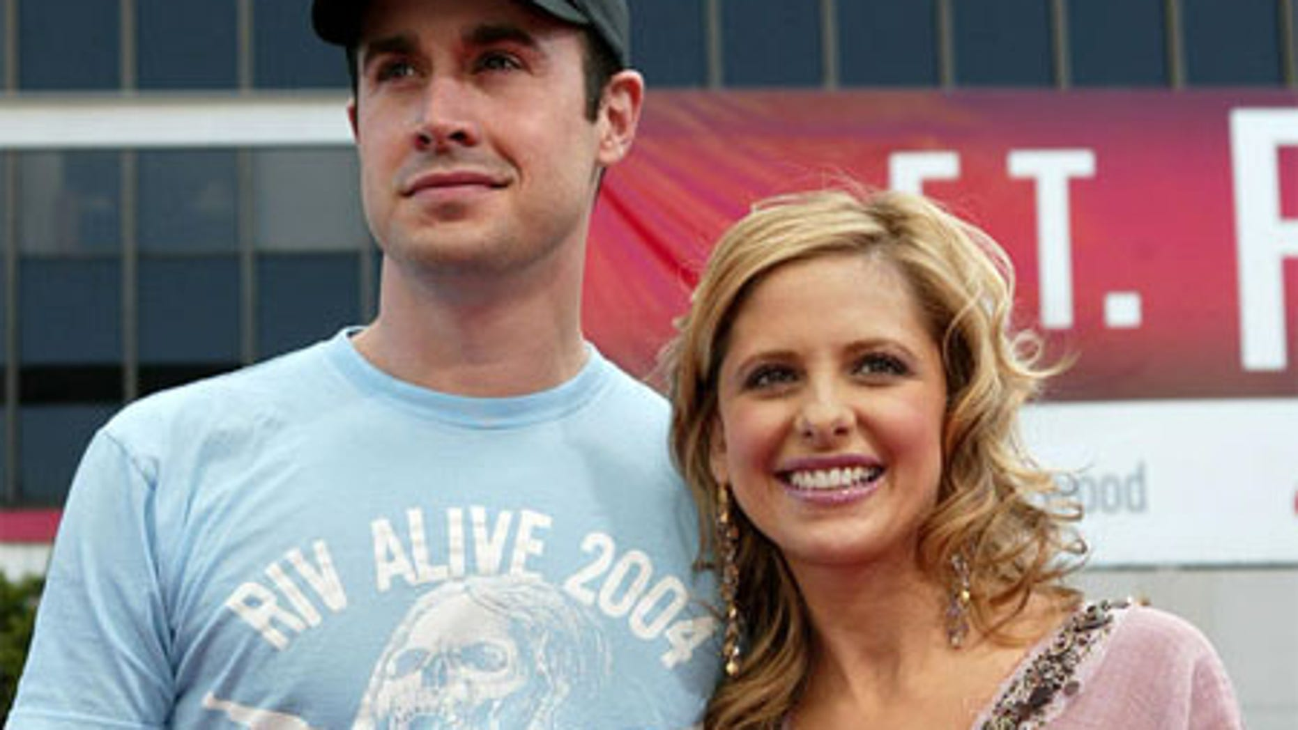 Freddie Prinze Jr. and Sarah Michelle Geller tied the knot in 2002.