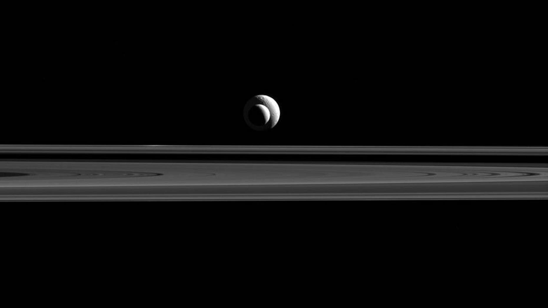 (NASA/JPL-Caltech/Space Science Institute)