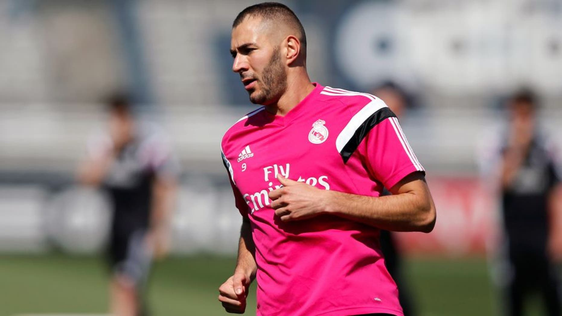 MADRID, SPAIN - MAY 08: Karim Benzema of Real Madrid in action during a training session at Valdebebas training ground on May 8, 2015 in Madrid, Spain. (Photo by Victor Carretero/Real Madrid via Getty Images)