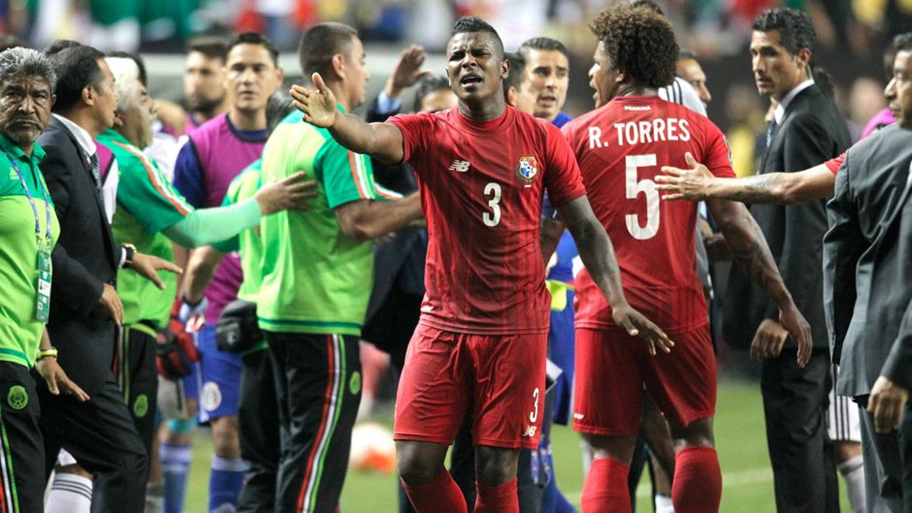 ATLANTA, UNITED STATES - July 22: Players of Panama argue after a defeat in a semi final match between Mexico and Panama as part of Gold Cup 2015 at Georgia Dome on July 22, 2015 in Atlanta, United States. (Photo by Omar Vega/LatinContent/Getty Images)