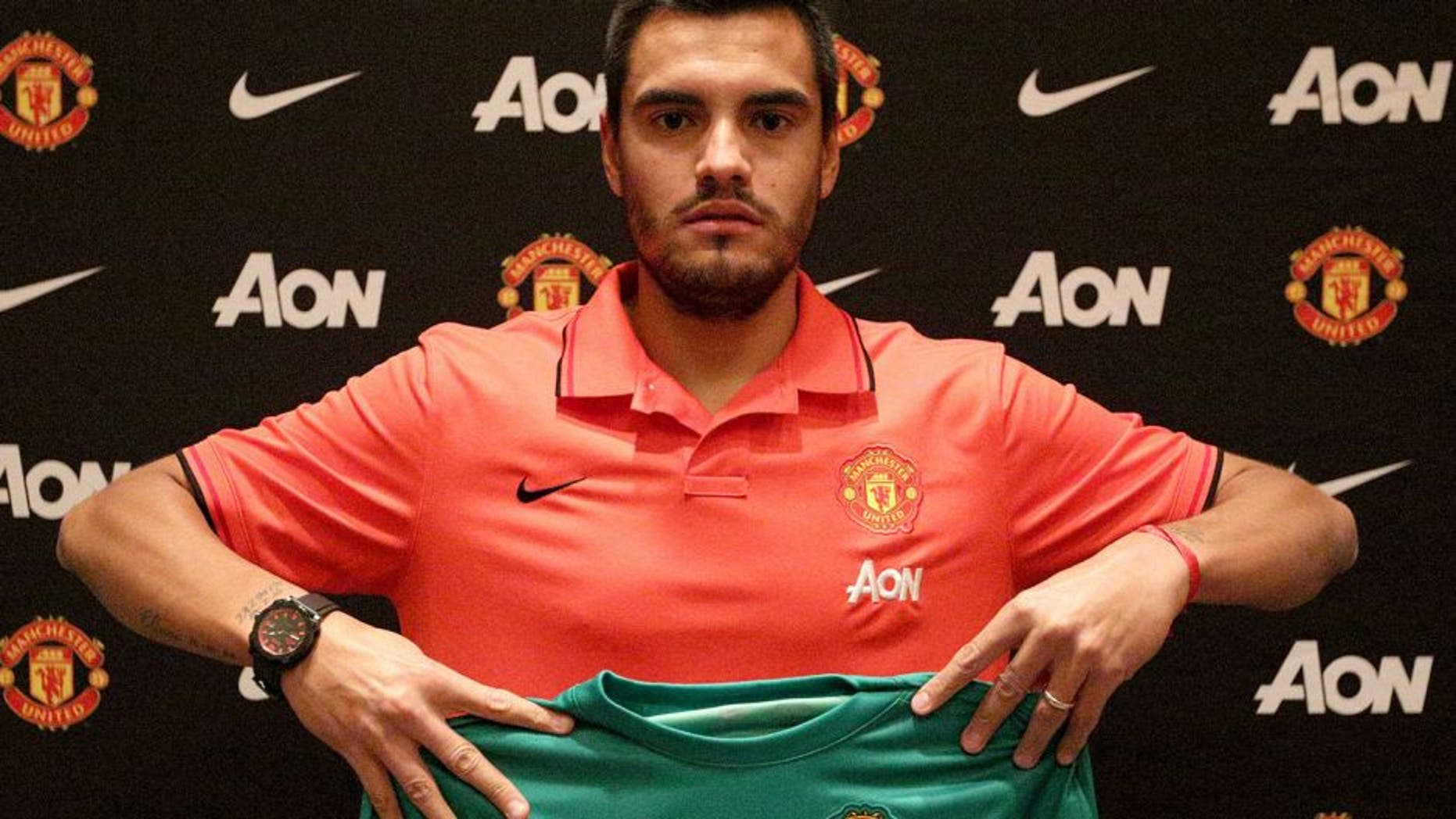 SAN JOSE, CA - JULY 26: (EXCLUSIVE COVERAGE) Sergio Romero of Manchester United poses after signing for the club on July 26, 2015 in San Jose, California. (Photo by Tom Purslow/Man Utd via Getty Images)