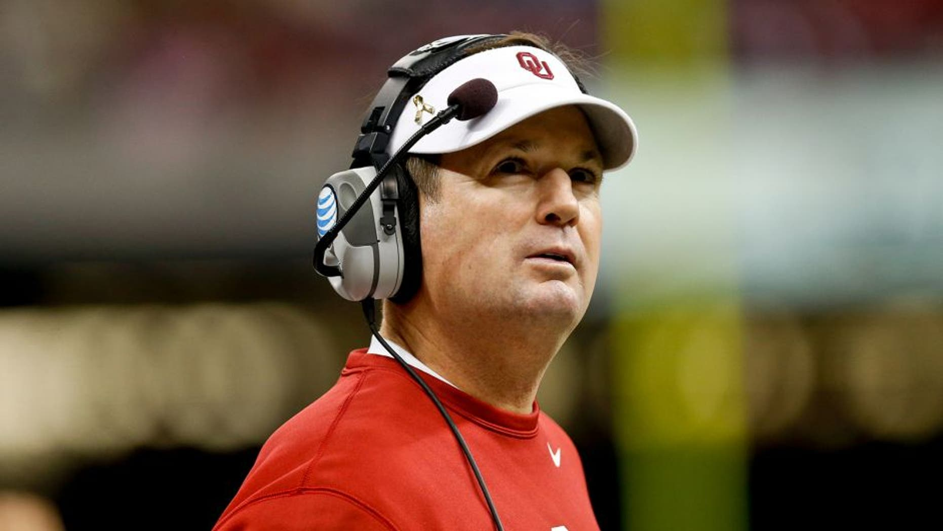 Jan 2, 2014; New Orleans, LA, USA; Oklahoma Sooners head coach Bob Stoops against the Alabama Crimson Tide during the second half of a game at the Mercedes-Benz Superdome. Oklahoma defeated Alabama 45-31. Mandatory Credit: Derick E. Hingle-USA TODAY Sports