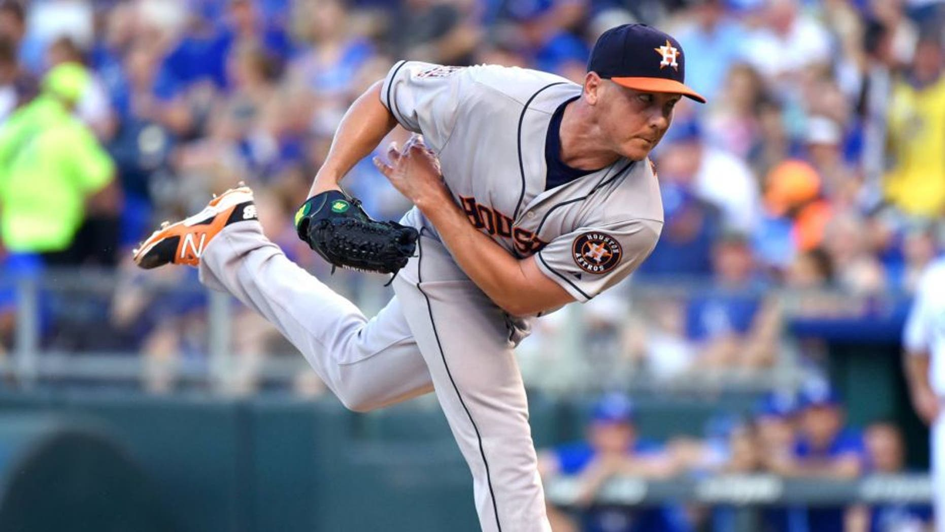 KANSAS CITY, MO - JULY 24: Scott Kazmir #26 of the Houston Astros throws in the third inning against the Kansas City Royals at Kauffman Stadium on July 24, 2015 in Kansas City, Missouri. (Photo by Ed Zurga/Getty Images)