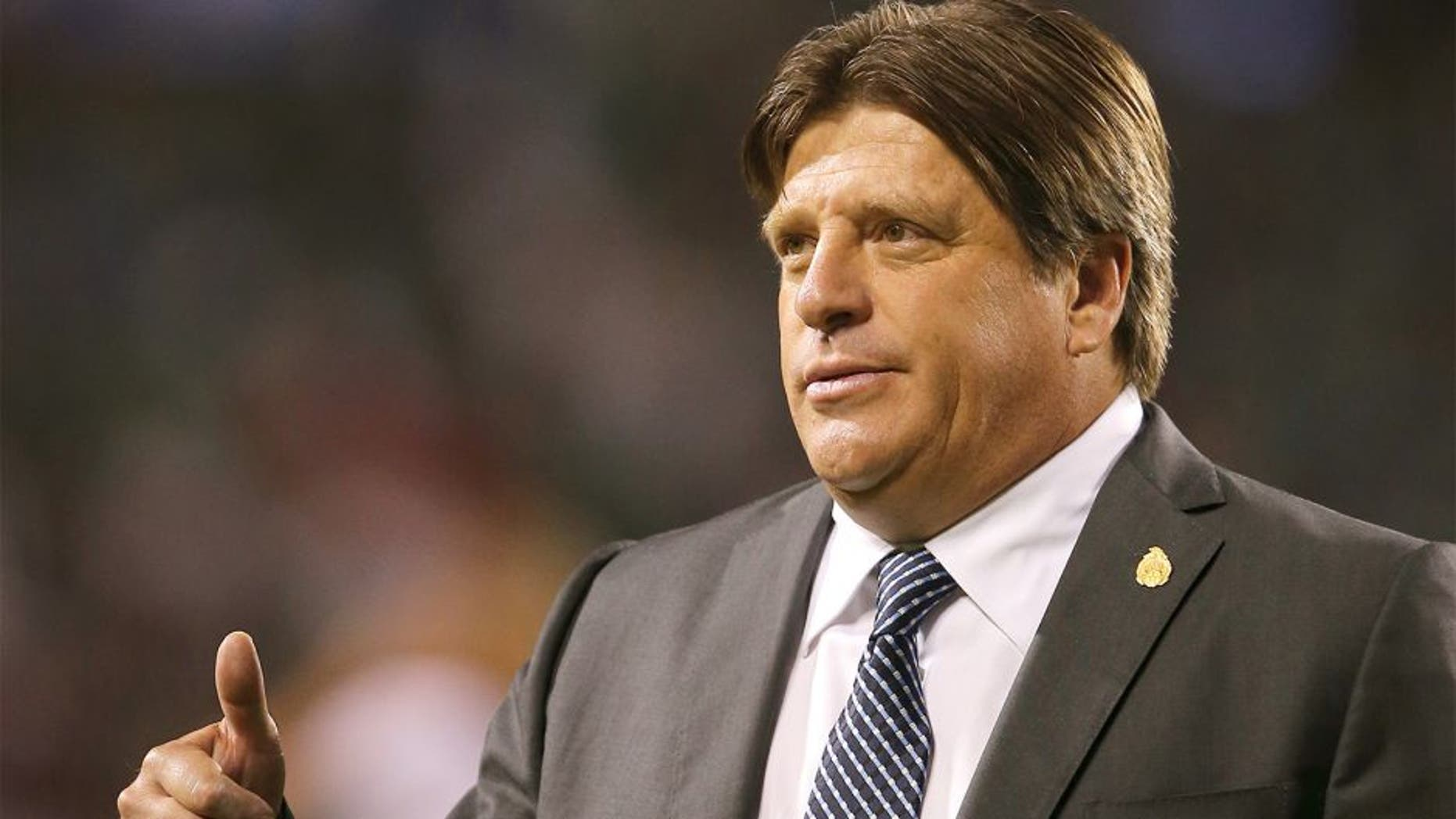 CHICAGO, USA - JULY 09: Miguel Herrera the head coach / manager of Mexico during the CONCACAF Gold Cup match between Mexico and Cuba at Soldier Field on July 9, 2015 in Chicago, Illinois. (Photo by Matthew Ashton - AMA/Getty Images)