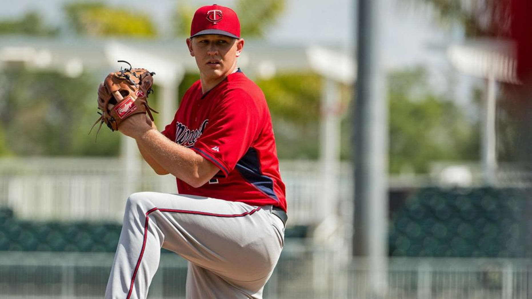 FORT MYERS, FL- MARCH 02: Tyler Duffey #71 of the Minnesota Twins pitches on March 2, 2015 at the CenturyLink Sports Complex in Fort Myers, Florida. (Photo by Brace Hemmelgarn/Minnesota Twins/Getty Images)