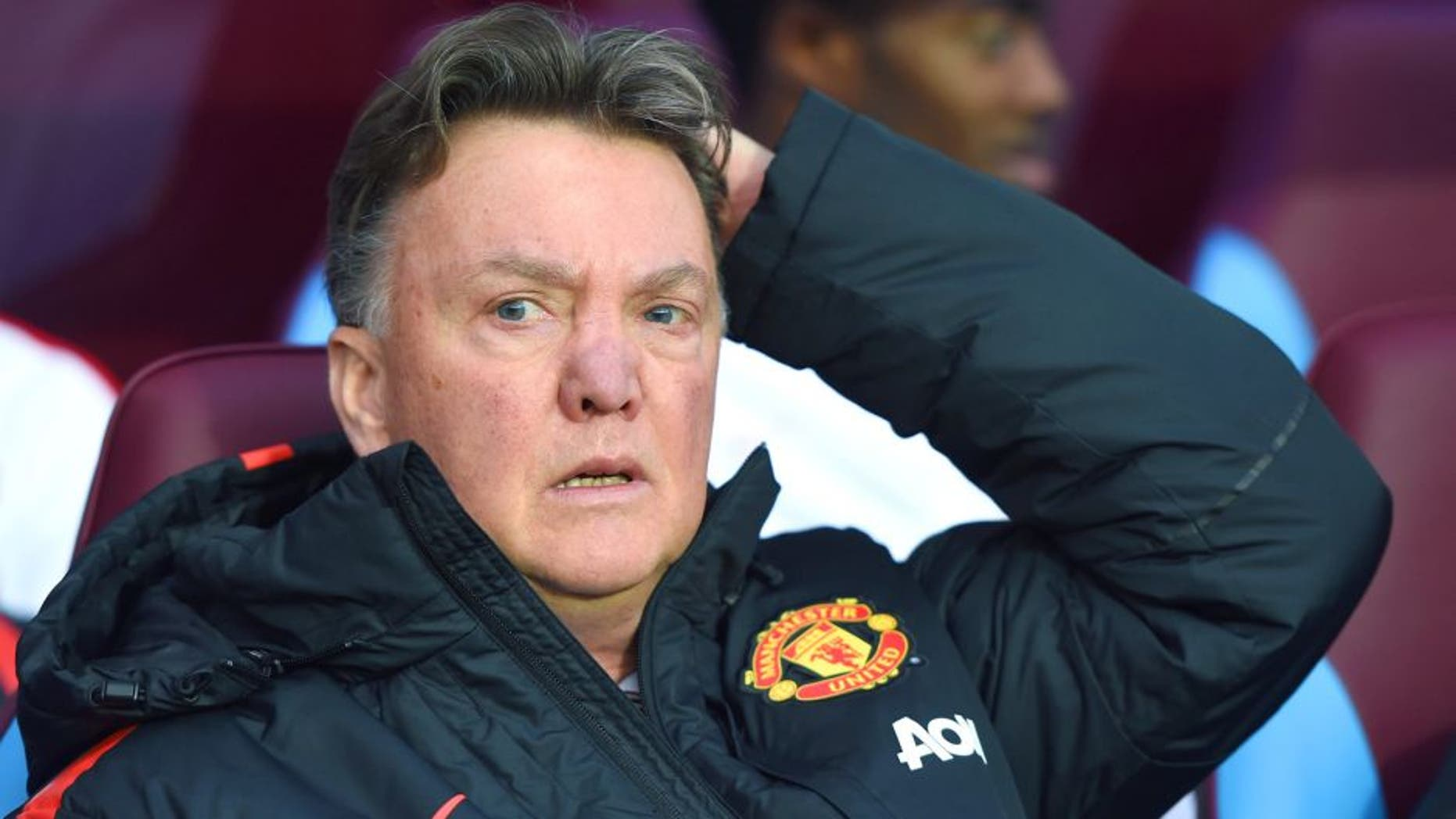 BIRMINGHAM, ENGLAND - DECEMBER 20: Manager Louis van Gaal of Manchester United looks on during the Barclays Premier League match between Aston Villa and Manchester United at Villa Park on December 20, 2014 in Birmingham, England. (Photo by Michael Regan/Getty Images)