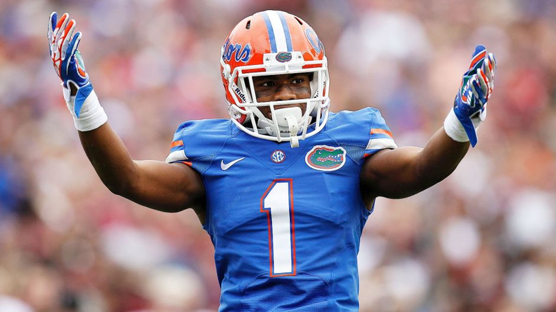GAINESVILLE, FL - NOVEMBER 30: Cornerback Vernon Hargreaves III #1 of the Florida Gators during the game against the Florida State Seminoles at Ben Hill Griffin Stadium on November 30, 2013 in Gainesville, Florida. 2nd Ranked Florida State defeated Florida 37-7. (Photo by Don Juan Moore/Getty Images)