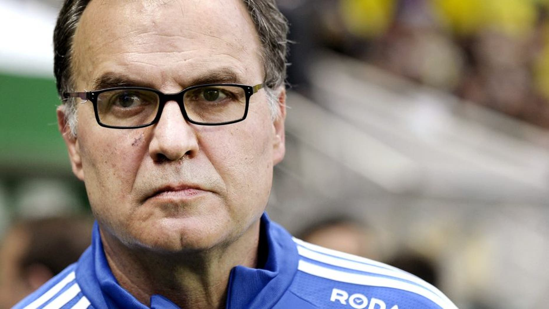 Marseille's Argentinian head coach Marcelo Bielsa looks on during the French L1 football match between Nantes and Marseille on April 17, 2015 at the Beaujoire stadium in Nantes, western France. AFP PHOTO / JEAN-SEBASTIEN EVRARD (Photo credit should read JEAN-SEBASTIEN EVRARD/AFP/Getty Images)