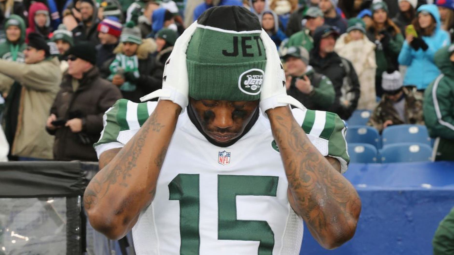 ORCHARD PARK, NY - JANUARY 03: Wide Receiver Brandon Marshall #15 of the New York Jets prepares before the game against the Buffalo Bills at Ralph Wilson Stadium on January 3, 2016 in Orchard Park, New York. (Photo by Al Pereira/Getty Images for New York Jets)