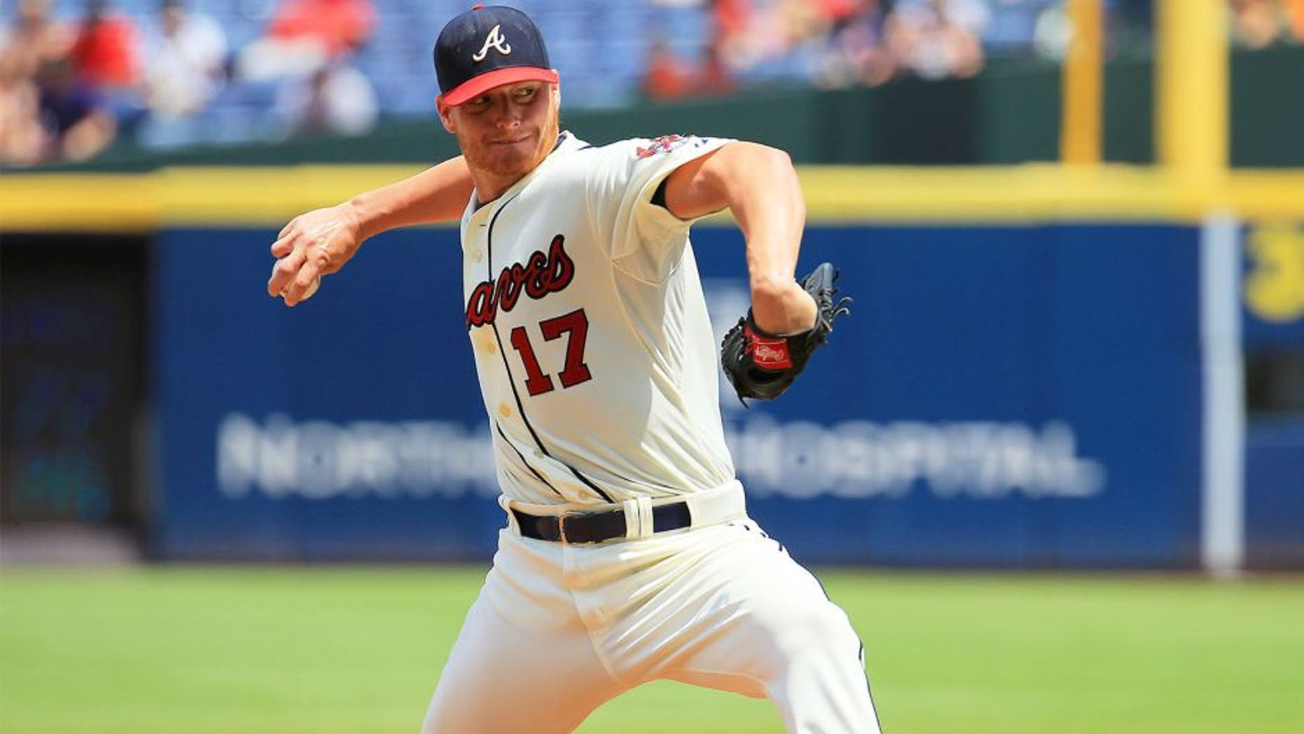 ATLANTA, GA - AUGUST 16: Shelby Miller #17 of the Atlanta Braves pitches in the third inning against the Arizona Diamondbacks at Turner Field on August 16, 2015 in Atlanta, Georgia. (Photo by Daniel Shirey/Getty Images)