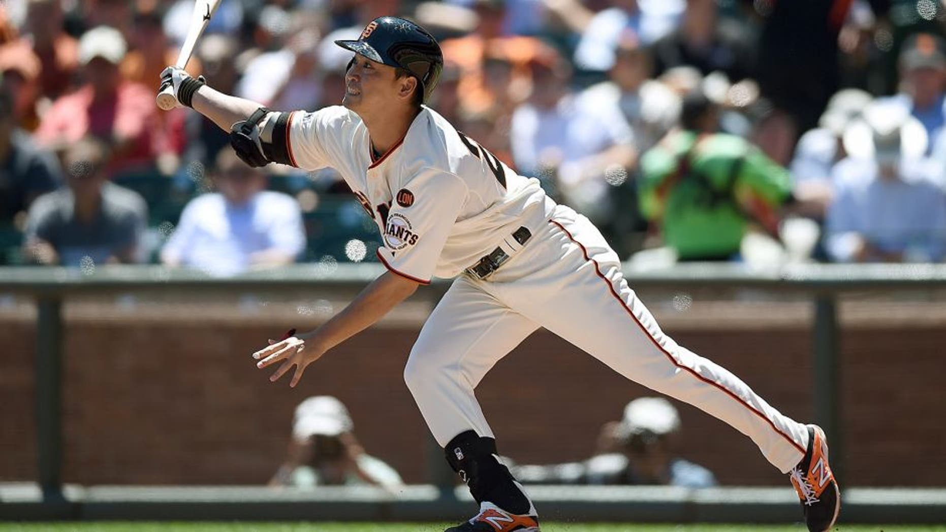 SAN FRANCISCO, CA - AUGUST 12: Nori Aoki #23 of the San Francisco Giants bats against the Houston Astros in the top of the third inning at AT&T Park on August 12, 2015 in San Francisco, California. (Photo by Thearon W. Henderson/Getty Images)
