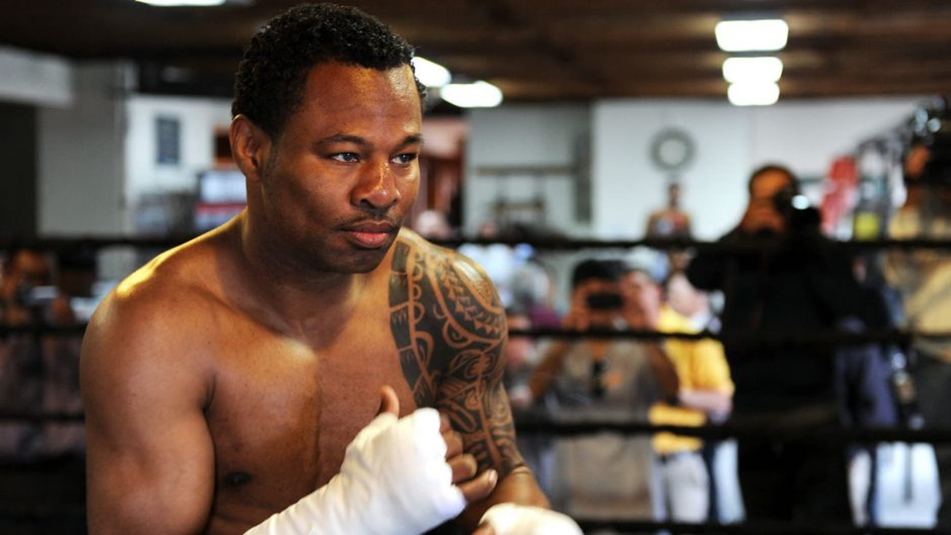 Five-Time World Champion Sugar Shane Mosley trains on April 12, 2010 in Pasadena, California during a media workout in preparation for his fight against Six-Time World Champion Floyd Mayweather in Las Vegas next May 1, 2010. AFP PHOTO / GABRIEL BOUYS (Photo credit should read GABRIEL BOUYS/AFP/Getty Images)