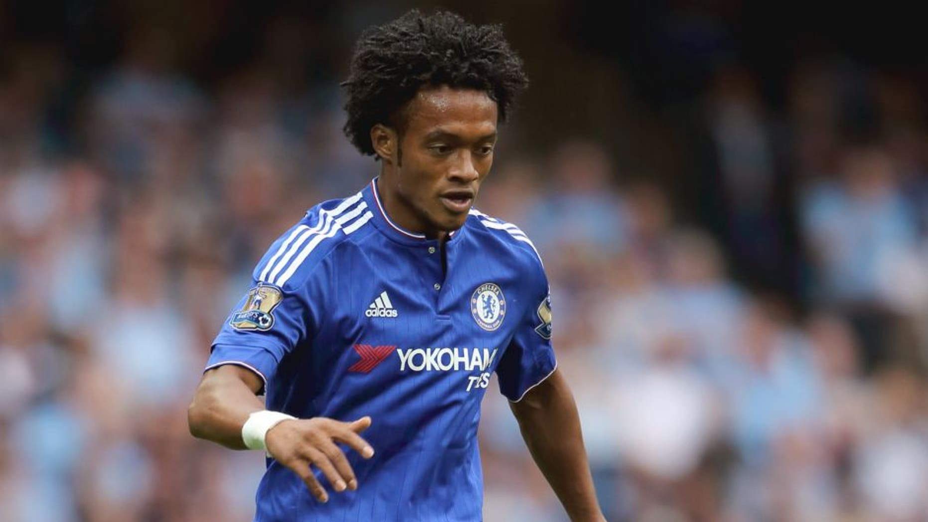 MANCHESTER, ENGLAND - AUGUST 16: Juan Cuadrado of Chelsea during the Barclays Premier League match between Manchester City and Chelsea at the Etihad Stadium on August 16, 2015 in Manchester, England. (Photo by Matthew Ashton - AMA/Getty Images)