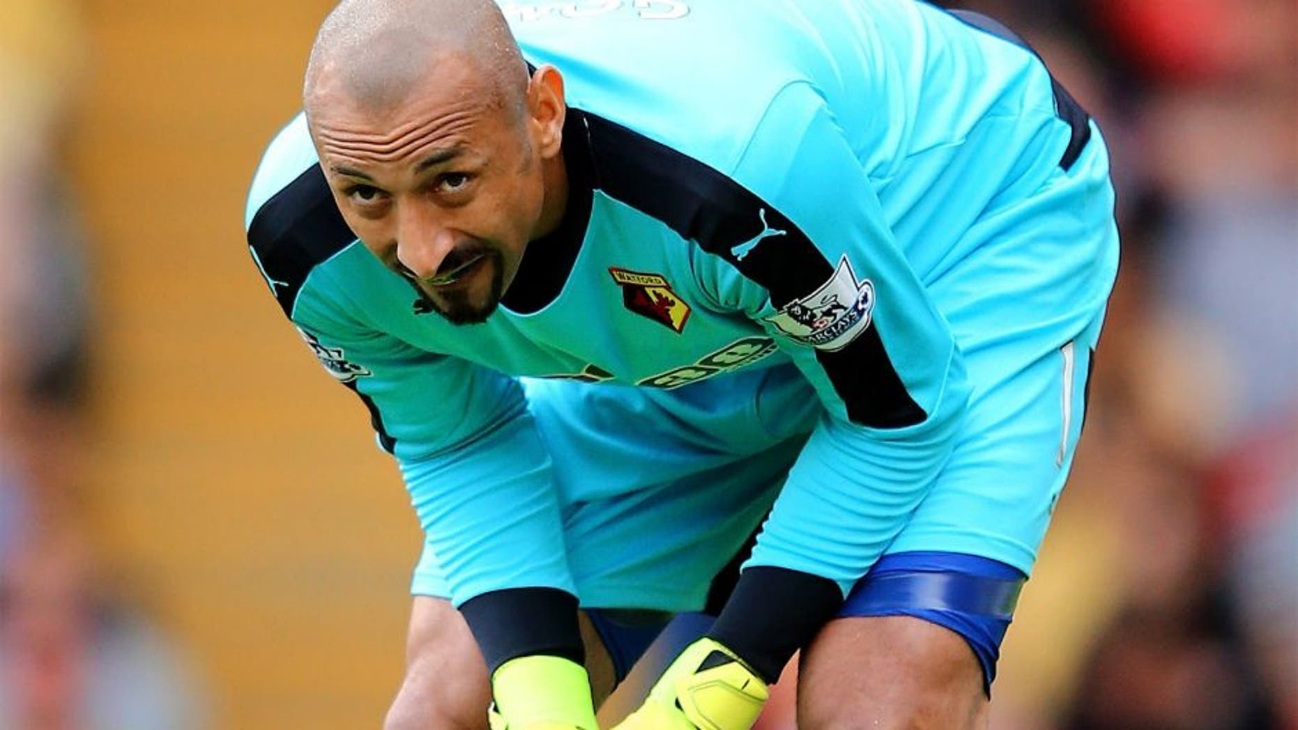 WATFORD, ENGLAND - AUGUST 23: Heurelho Gomes of Watford in action during the Barclays Premier League match between Watford and Southampton at Vicarage Road on August 23, 2015 in Watford, United Kingdom. (Photo by Richard Heathcote/Getty Images)