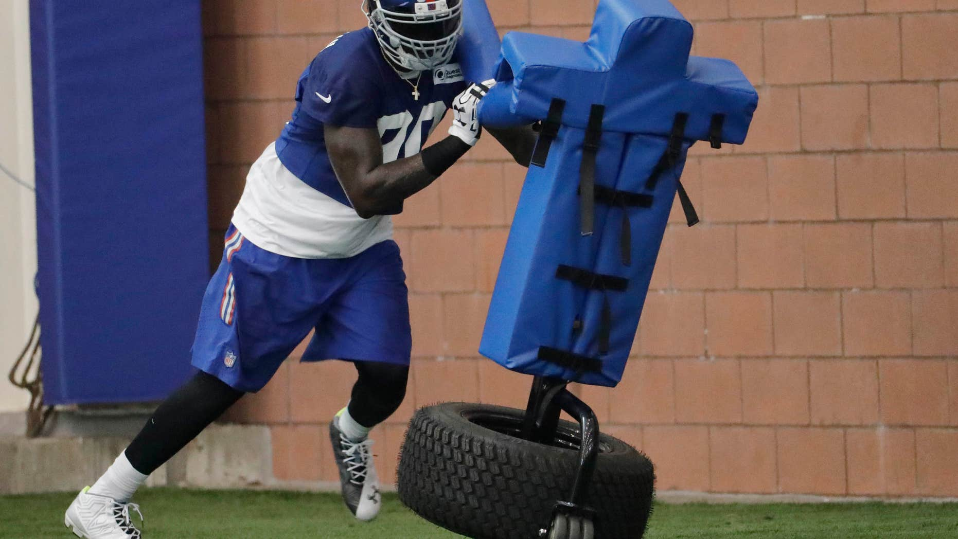 July 29, 2016: New York Giants defensive end Jason Pierre-Paul works out during NFL football training camp.