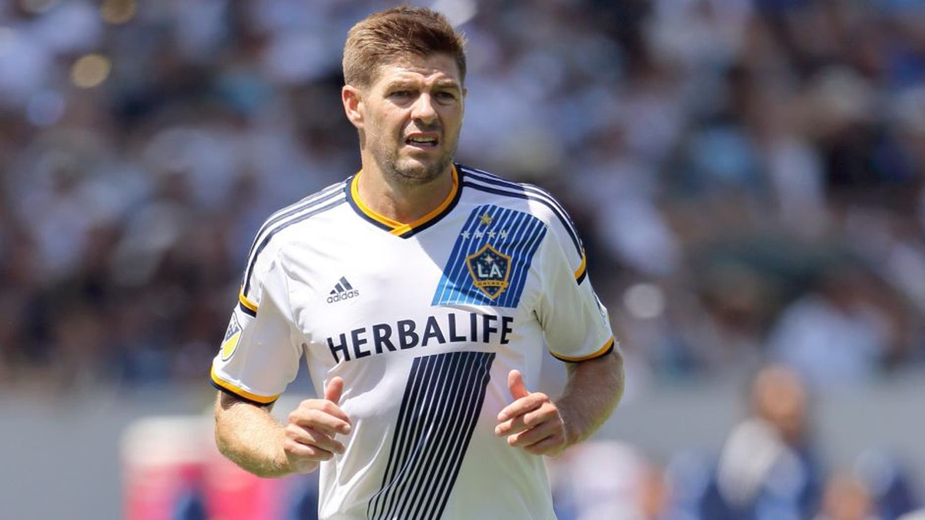 LOS ANGELES, CA - AUGUST 23: #8 Steven Gerrard of LA Galaxy during the MLS match between Los Angeles Galaxy and New York City FC at StubHub Center on August 23, 2015 in Los Angeles, California. (Photo by Matthew Ashton - AMA/Getty Images)