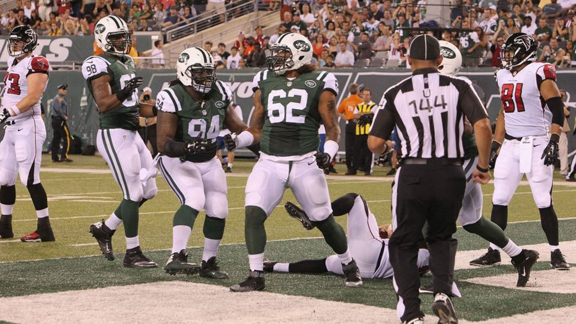 EAST RUTHERFORD, NJ - AUGUST 21: Defensive End Leonard Williams #62 of the New York Jets has a Sack and a Safety against the Atlanta Falcons at MetLife Stadium on August 21, 2015 in East Rutherford, New Jersey. (Photo by Al Pereira/Getty Images for New York Jets)