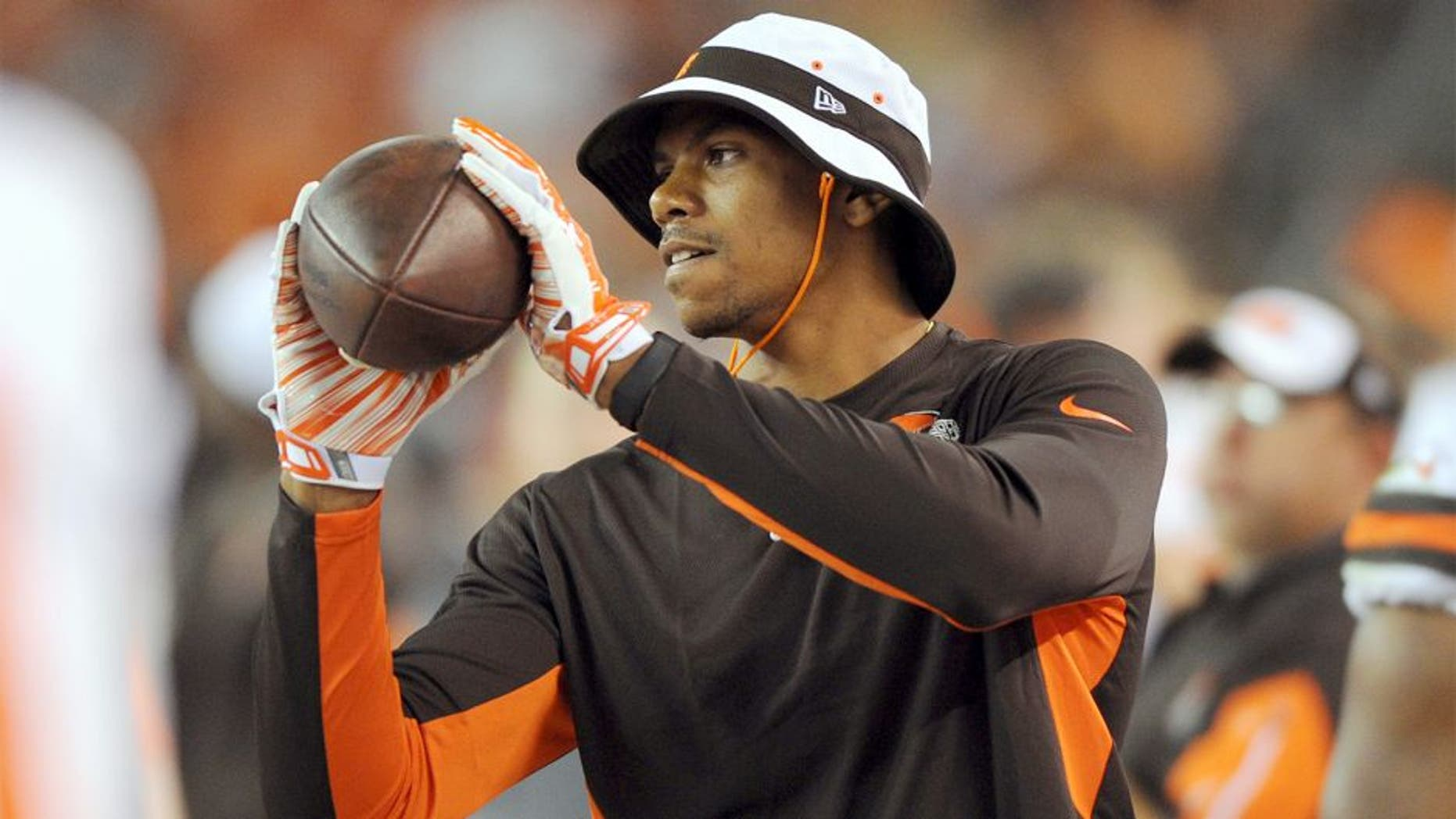 Aug 13, 2015; Cleveland, OH, USA; Cleveland Browns wide receiver Terrelle Pryor (87) plays catch on the sideline in a preseason NFL football game against the Washington Redskins at FirstEnergy Stadium. Mandatory Credit: Ken Blaze-USA TODAY Sports