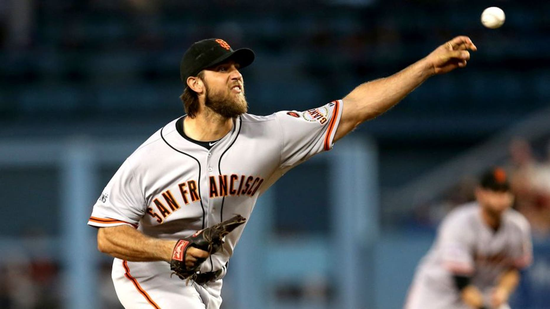 LOS ANGELES, CA - SEPTEMBER 01: Madison Bumgarner #40 of the San Francisco Giants throws a pitch against the Los Angeles Dodgers at Dodger Stadium on September 1, 2015 in Los Angeles, California (Photo by Stephen Dunn/Getty Images)