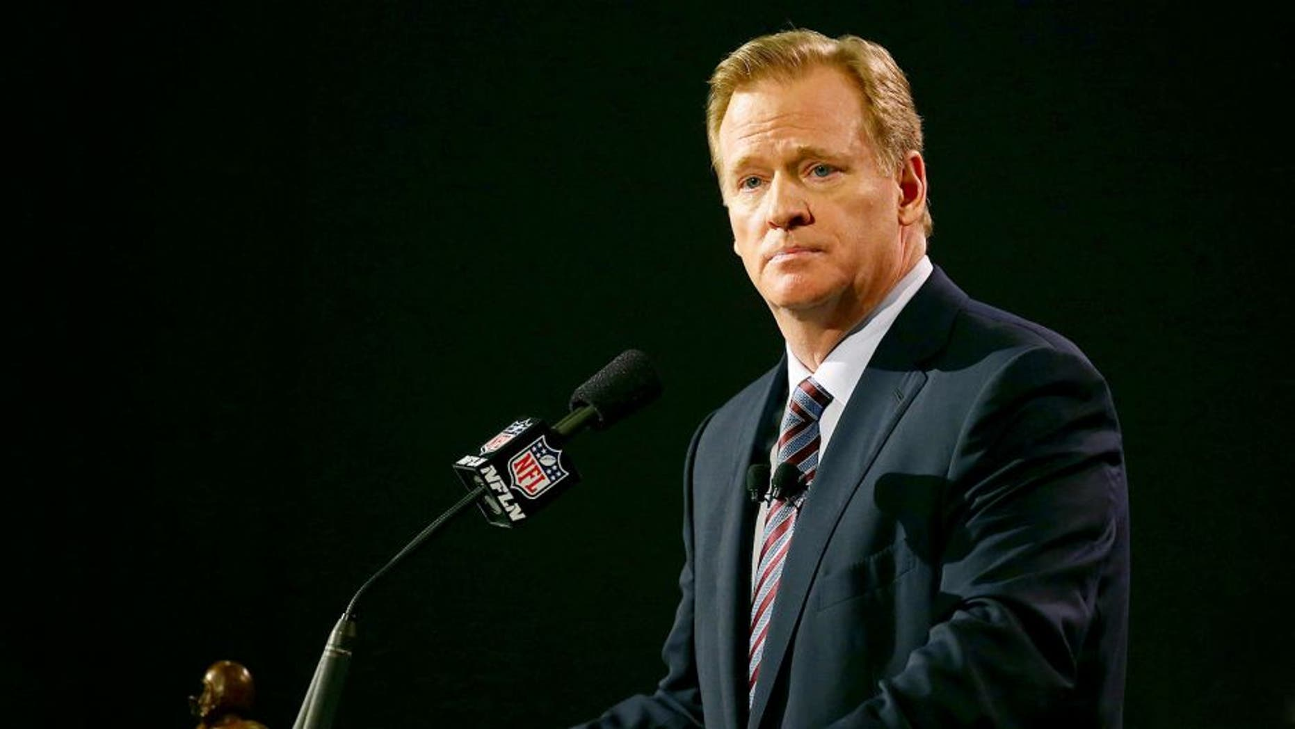 PHOENIX, AZ - JANUARY 30: NFL Commissioner Roger Goodell speaks during a press conference prior to the upcoming Super Bowl XLIX at Phoenix Convention Center on January 30, 2015 in Phoenix, Arizona. (Photo by Mike Lawrie/Getty Images)