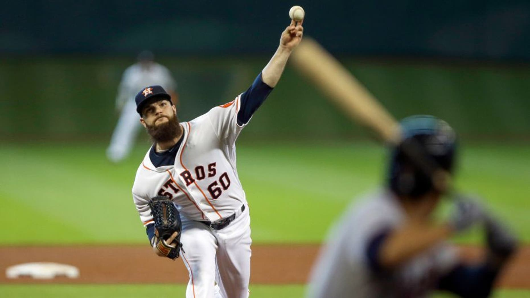 Sep 6, 2015; Houston, TX, USA; Houston Astros starting pitcher Dallas Keuchel (60) delivers a pitch during the fifth inning against the Minnesota Twins at Minute Maid Park. Mandatory Credit: Troy Taormina-USA TODAY Sports