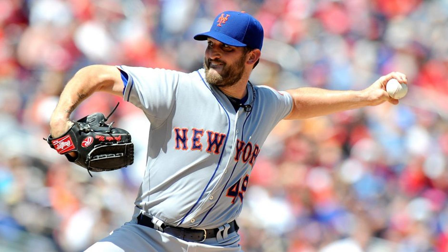 WASHINGTON, DC - SEPTEMBER 07: Jonathon Niese #49 of the New York Mets pitches in the first inning against the Washington Nationals at Nationals Park on September 7, 2015 in Washington, DC. (Photo by Greg Fiume/Getty Images)