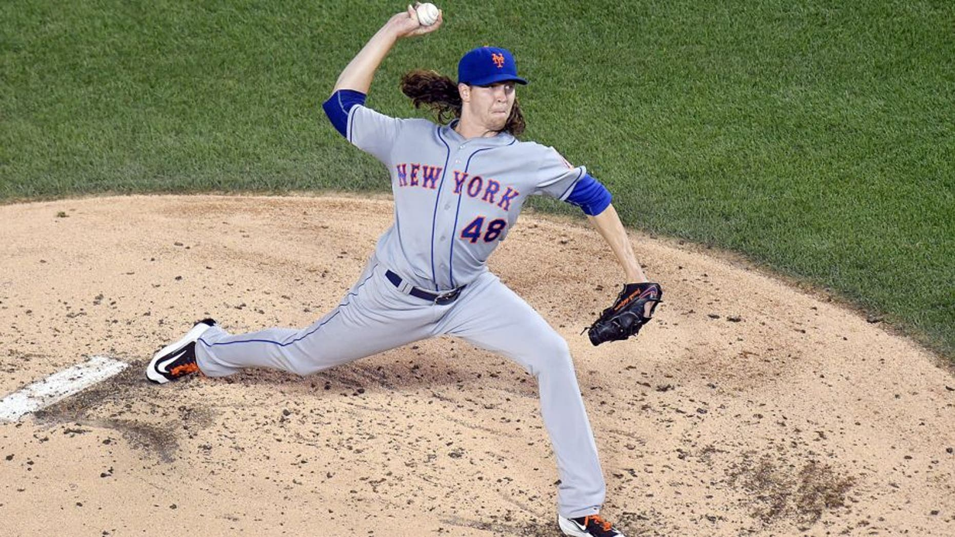 WASHINGTON, DC - SEPTEMBER 09: Jacob deGrom #48 of the New York Mets pitches in the second inning a baseball game against the Washington Nationals at Nationals Park on September 9, 2015 in Washington, DC. (Photo by Mitchell Layton/Getty Images)