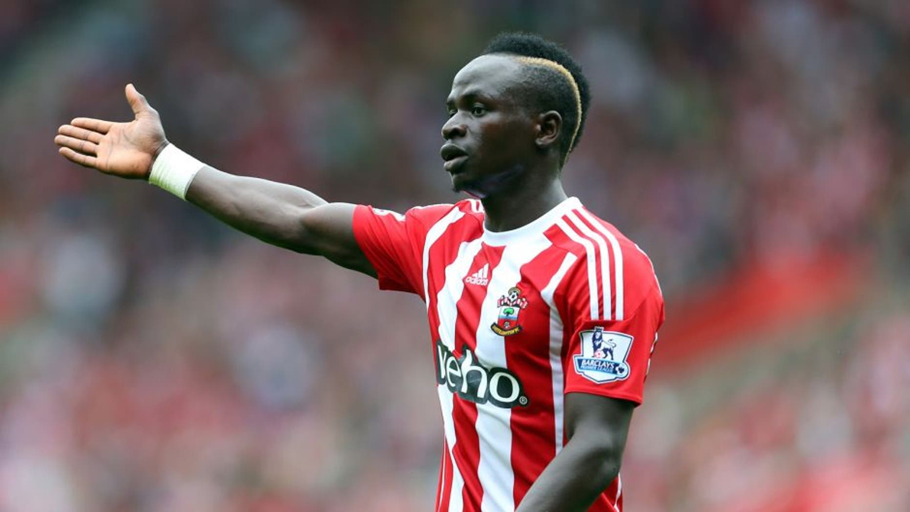 SOUTHAMPTON, ENGLAND - AUGUST 30: Sadio Mane of Southampton gestures during the Barclays Premier League match between Southampton and Norwich City on August 30, 2015 in Southampton, United Kingdom. (Photo by Catherine Ivill - AMA/Getty Images)