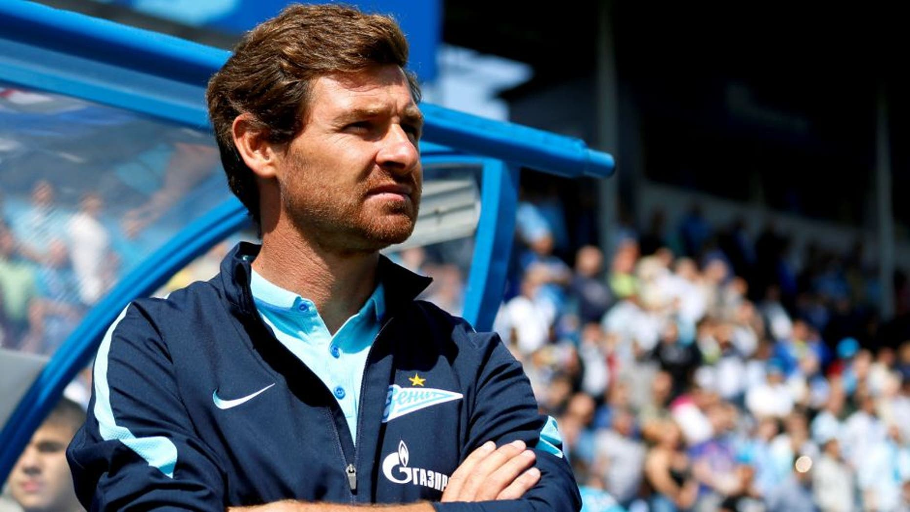 ST. PETERSBURG, RUSSIA - JULY 19: FC Zenit St. Petersburg head coach Andre Villas-Boas looks on during the Russian Football League match between FC Zenit St. Petersburg and FC Dinamo Moscow at the Petrovsky stadium on July 19, 2015 in St. Petersburg, Russia. (Photo by Epsilon/Getty Images)