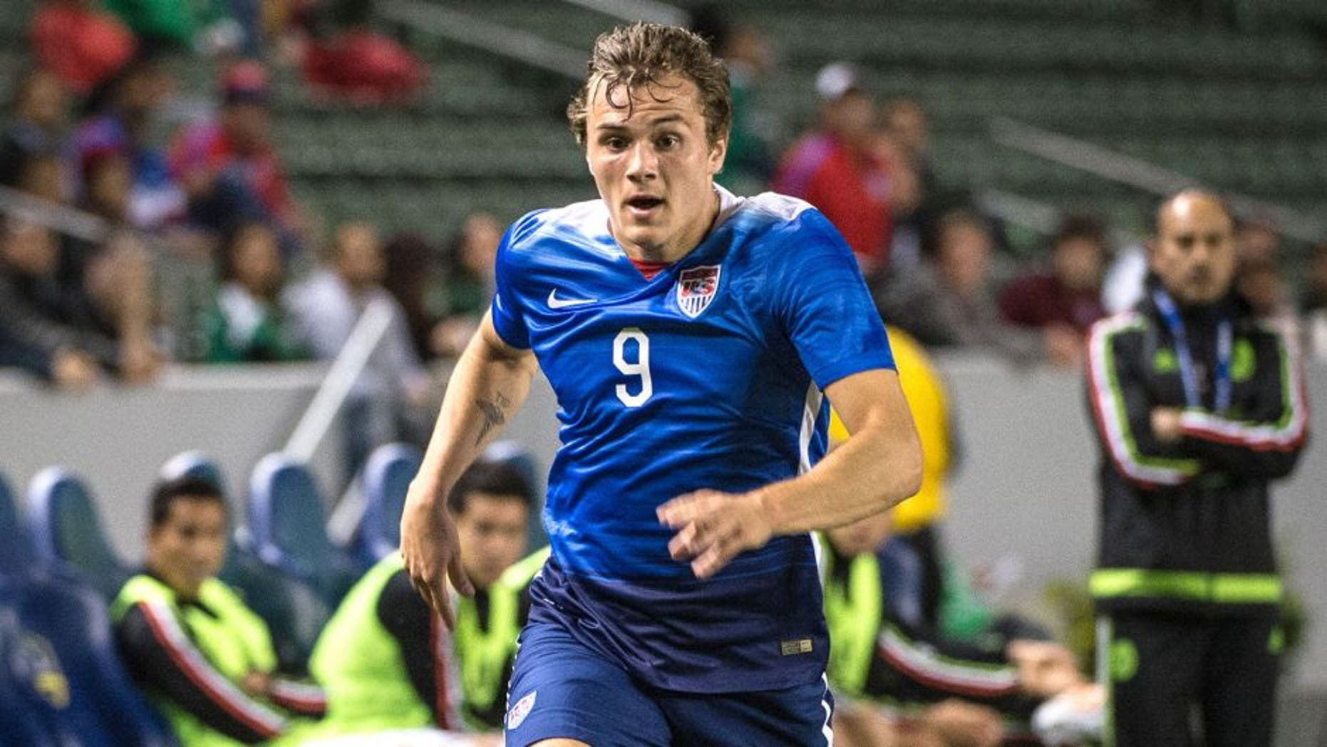 CARSON, CA - APRIL 22: Jordan Morris #9 of USMNT U23 races down the wing during the International Soccer Friendly match between United States Men's U23 and the Mexican Men's U23 at the Stubhub Center on April 22, 2015 in Carson, California. The United States won the match 3-0. (Photo by Shaun Clark/Getty Images)
