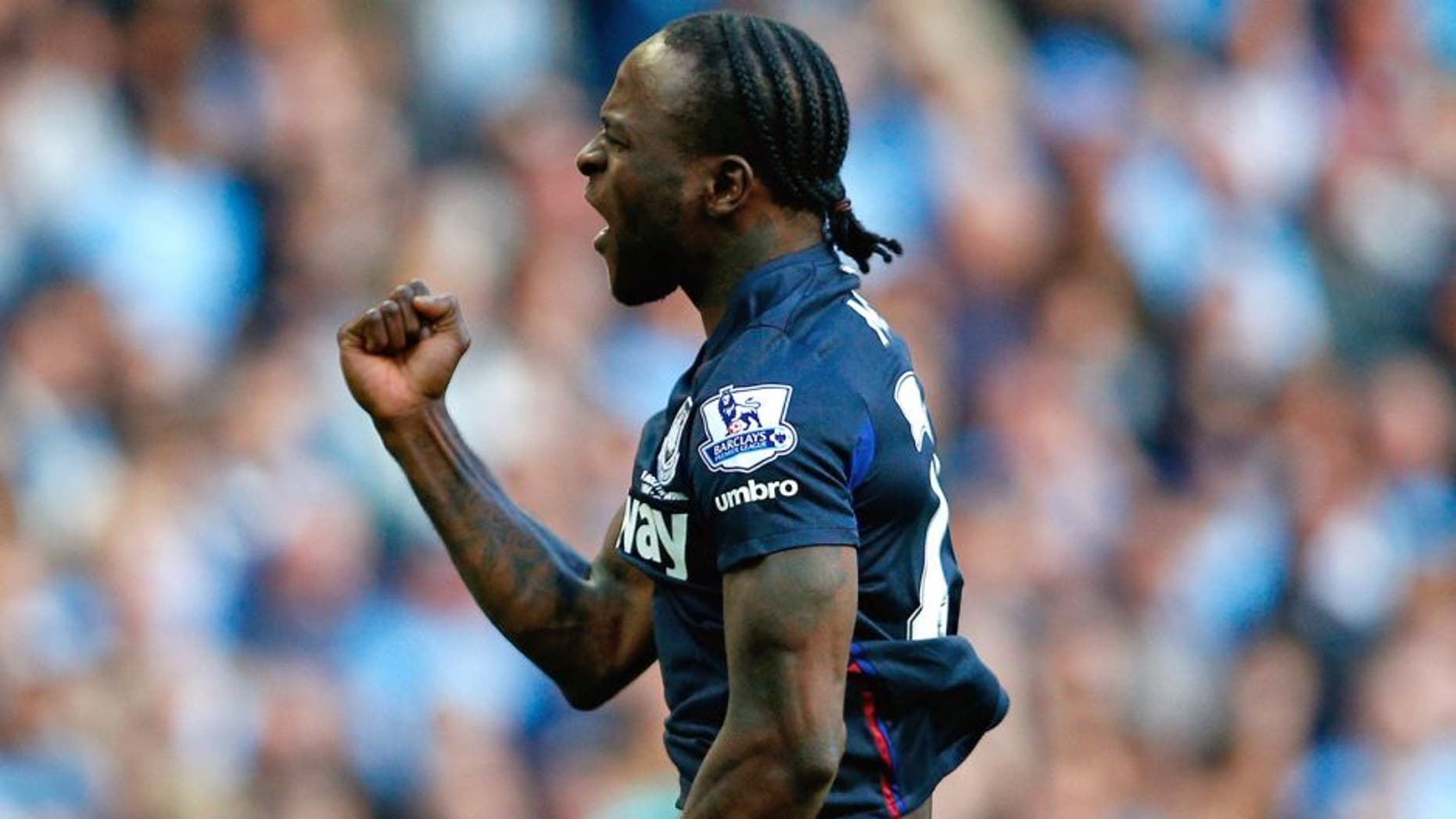 MANCHESTER, ENGLAND - SEPTEMBER 19: Victor Moses of West Ham United celebrates scoring the opening goal during the Barclays Premier League match between Manchester City and West Ham United at Etihad Stadium on September 19, 2015 in Manchester, United Kingdom. (Photo by Dean Mouhtaropoulos/Getty Images)
