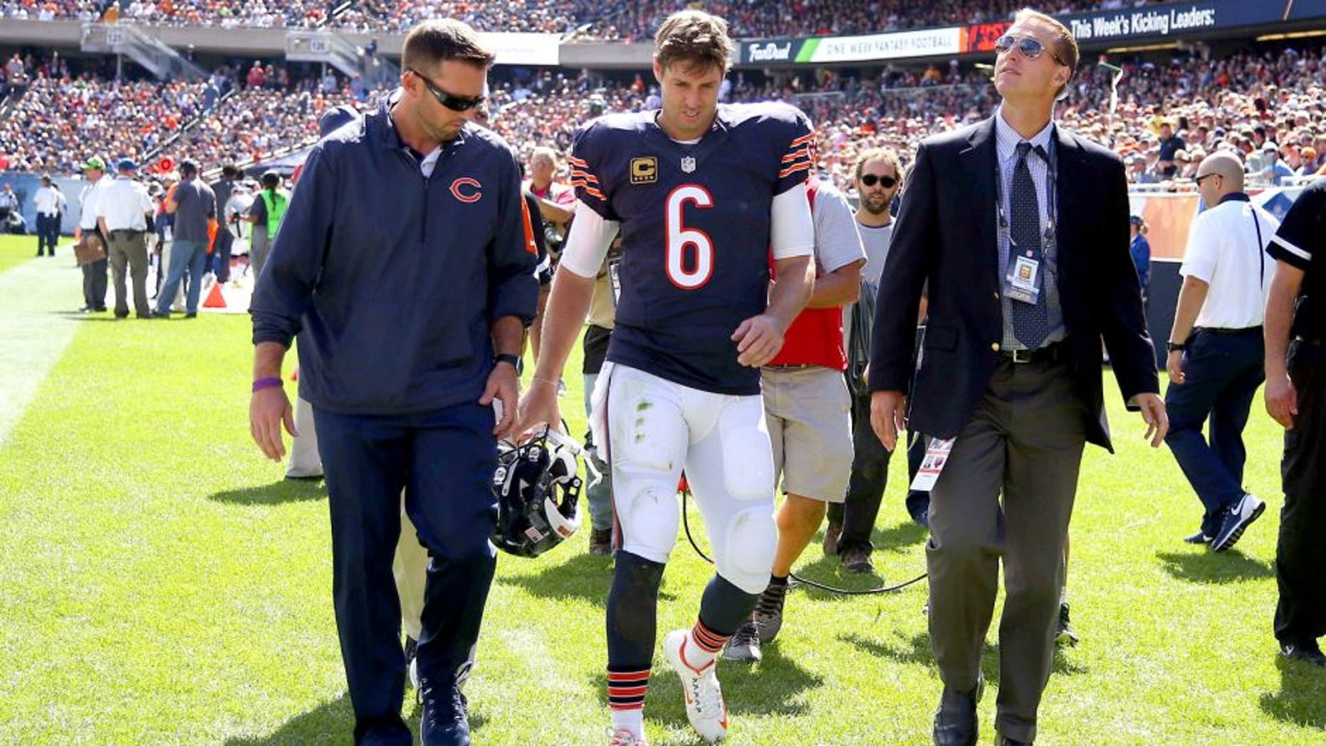 Sep 20, 2015; Chicago, IL, USA; Chicago Bears quarterback Jay Cutler (6) walks off the field after an apparent injury during the first half against the Arizona Cardinals at Soldier Field. Mandatory Credit: Dennis Wierzbicki-USA TODAY Sports