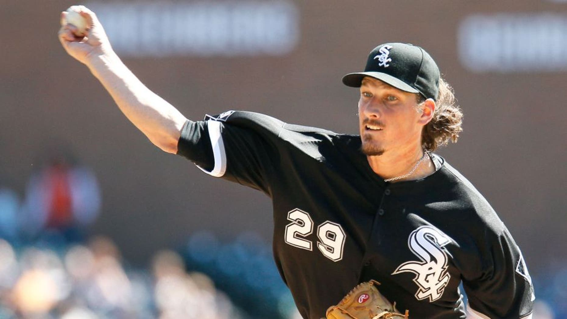 DETROIT, MI - SEPTEMBER 21: Jeff Samardzija #29 of the Chicago White Sox pitches against the Detroit Tigers during the first inning at Comerica Park on September 21, 2015 in Detroit, Michigan. Samardzija pitches his sixth career complete game, giving up one hit, no walks and six strikeouts, in a 2-0 win. (Photo by Duane Burleson/Getty Images)