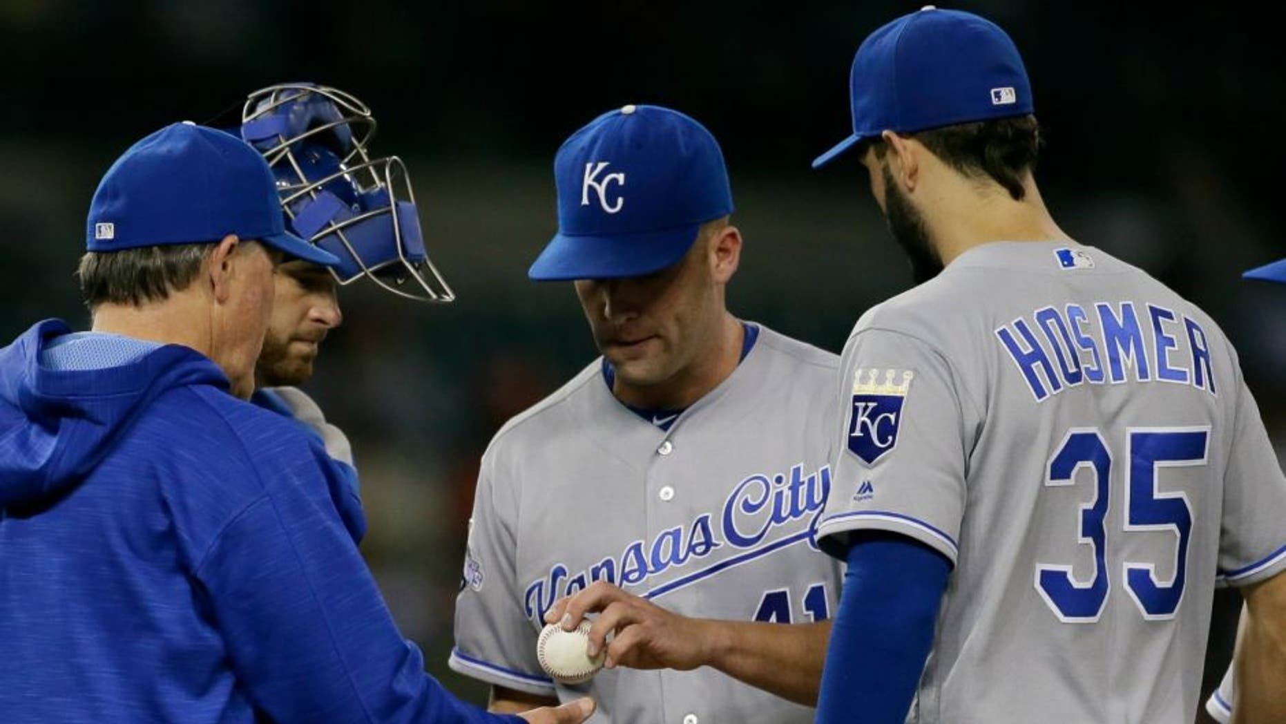 DETROIT, MI - SEPTEMBER 23: Danny Duffy #41 of the Kansas City Royals is pulled by manager Ned Yost #3 of the Kansas City Royals during the fourth inning at Comerica Park on September 23, 2016 in Detroit, Michigan. The Tigers defeated the Royals 8-3. (Photo by Duane Burleson/Getty Images)