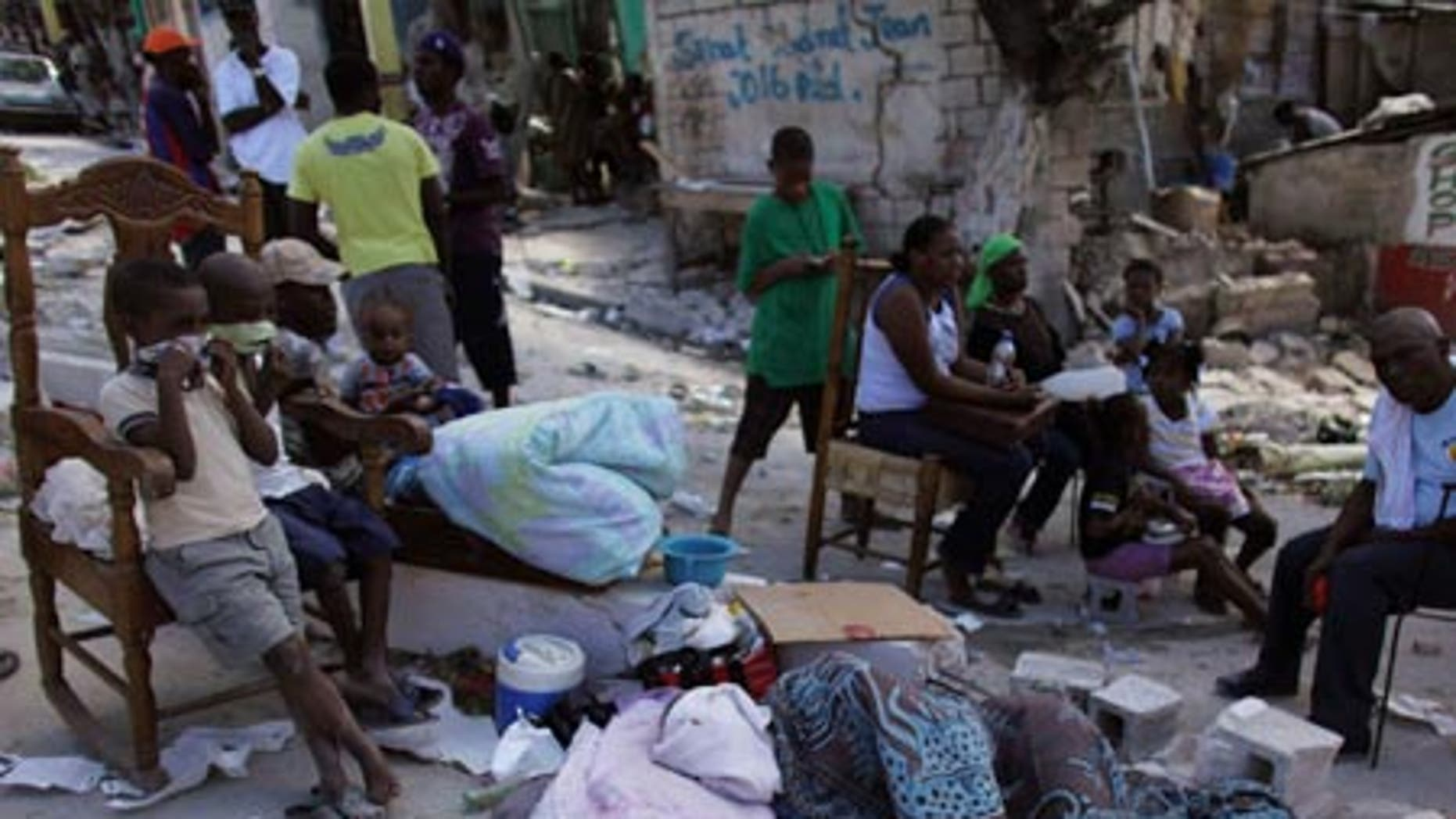 The recovery effort and race to get aid to earthquake victims in Haiti are growing increasingly desperate.